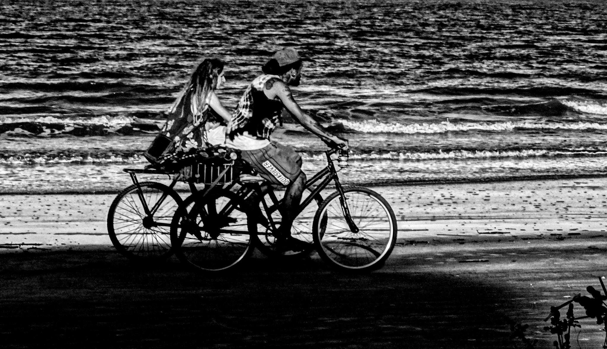 ...pedaladas... by Emerson Mazza