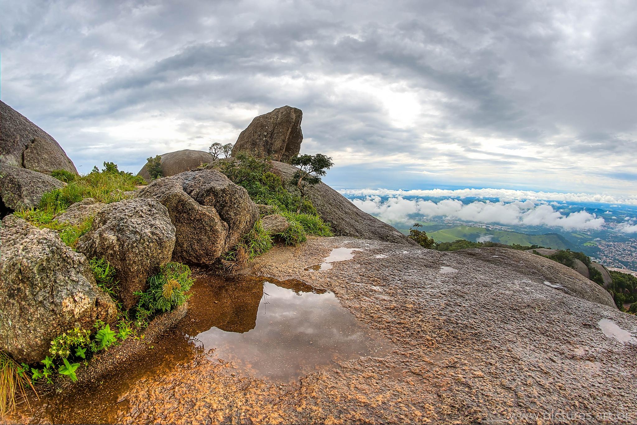 Rocks and Clouds by alvaromenezes