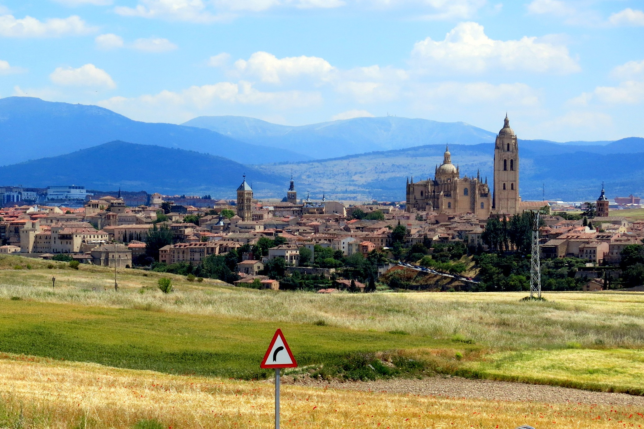Segovia y sierra de Guadarrana by mmvicent