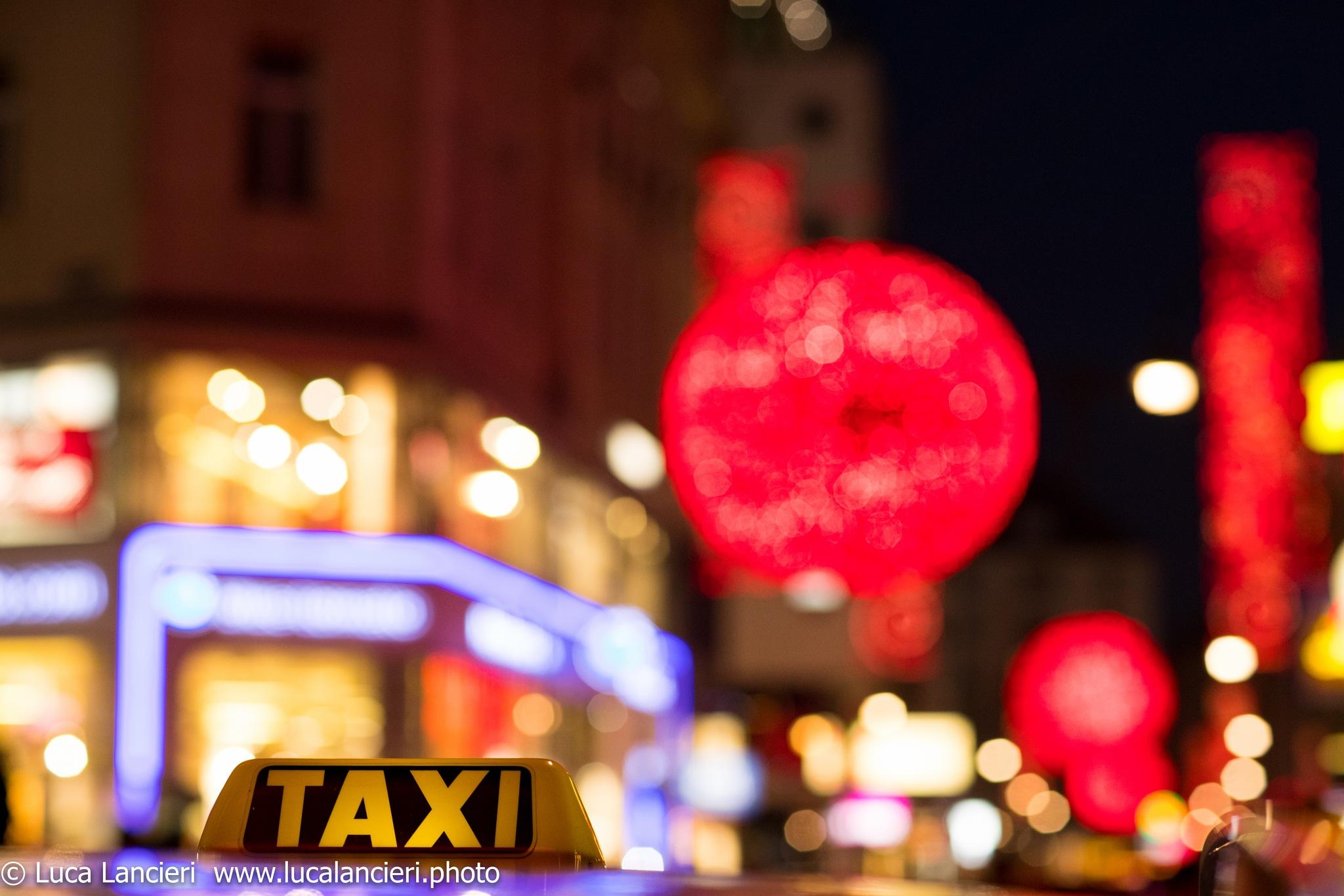 Vienna Taxi by Luca Lancieri