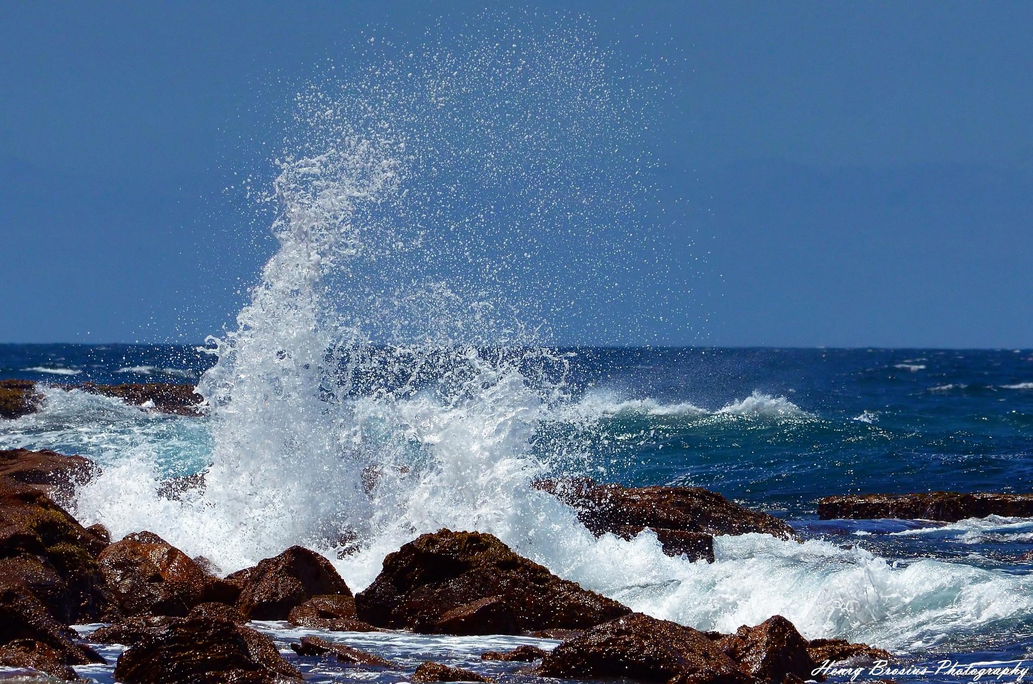 Crashing Surf by Henry Brosius