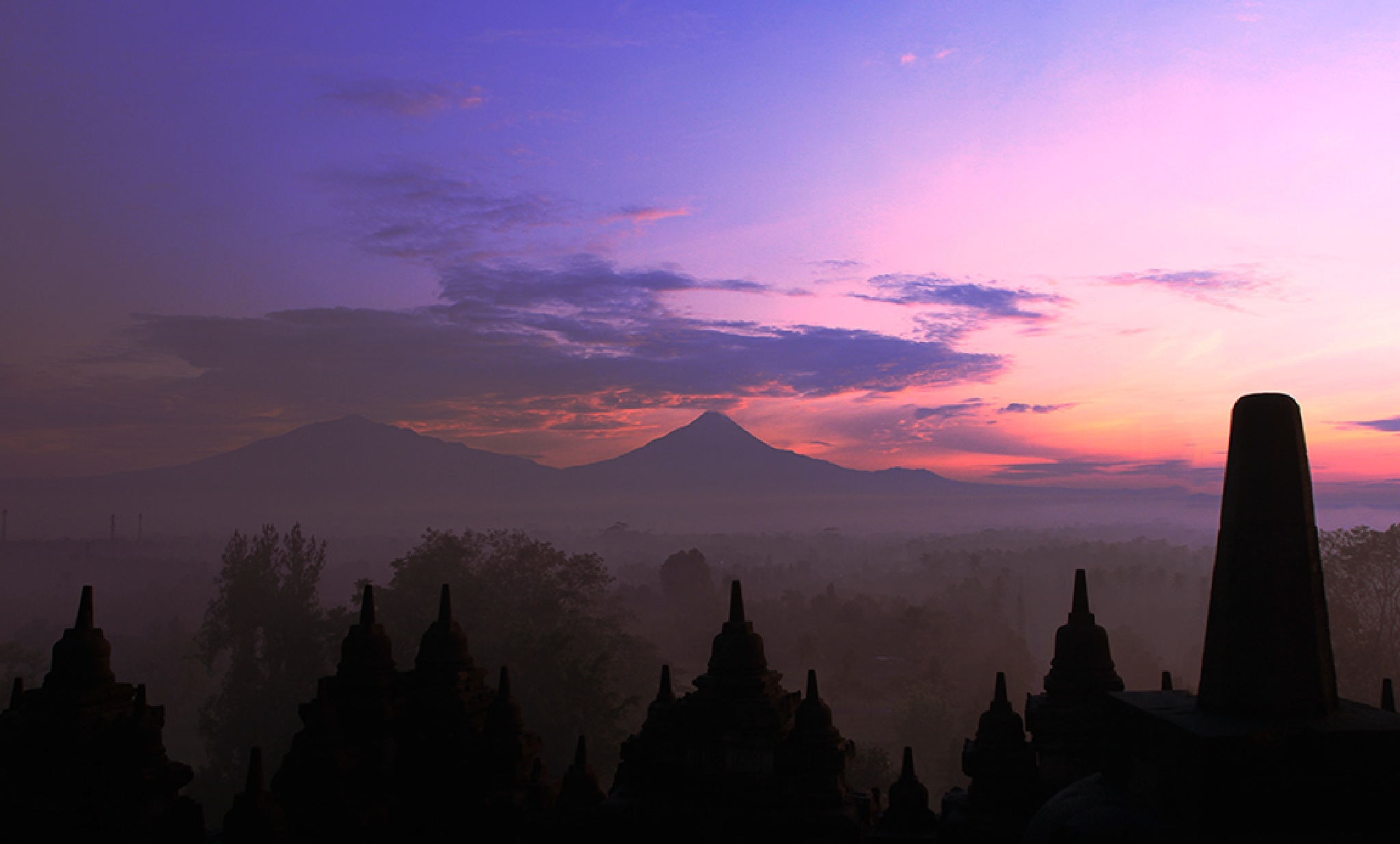 Borobudur Tample by Iwan Tunk
