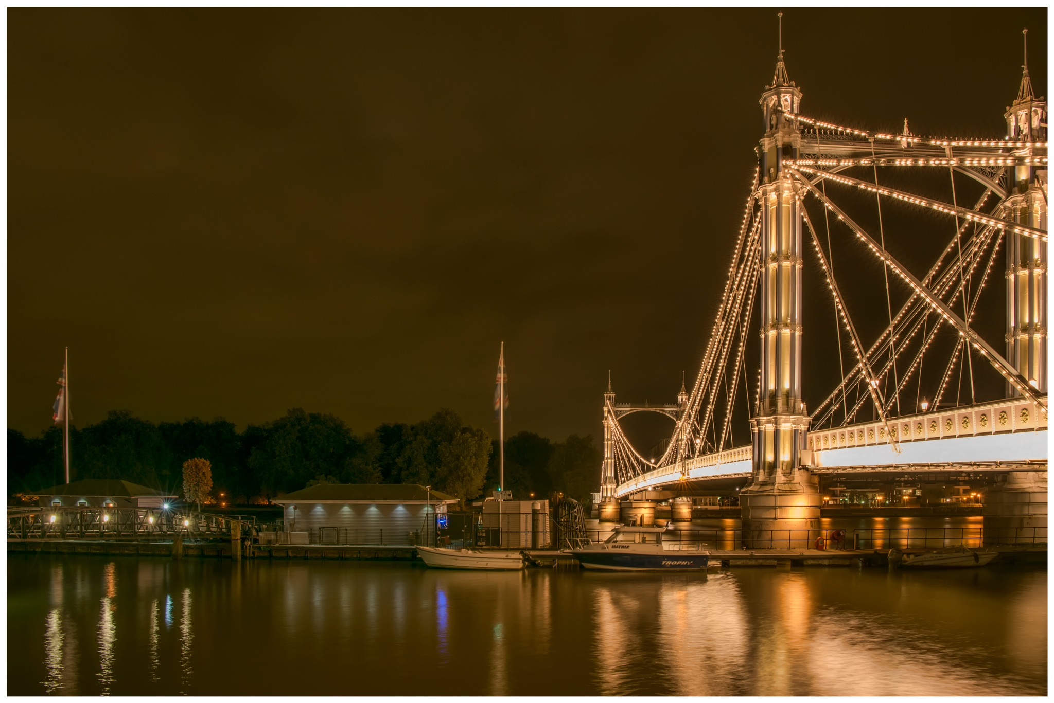 Albert Bridge by Colin Ritchie