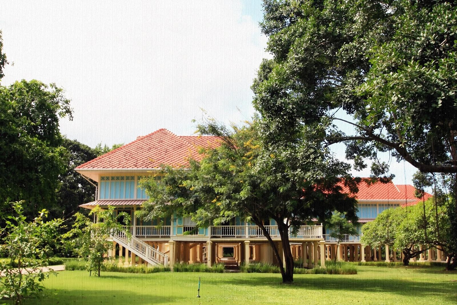 Royal Palace No. 1 by Toom Wai Thong