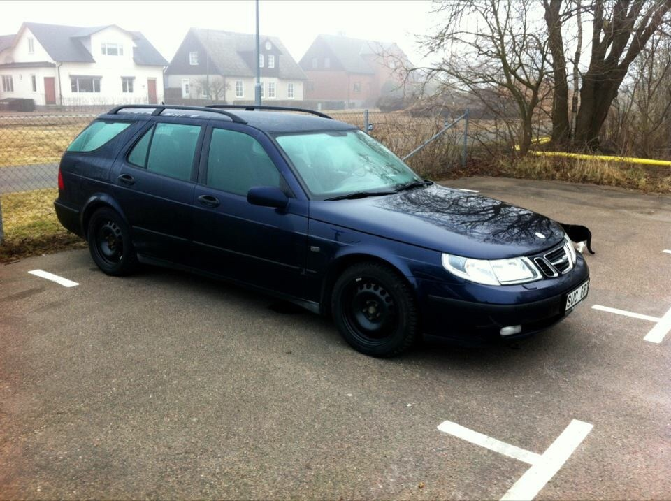 Saab 95 in the morning by Daniel Svensson