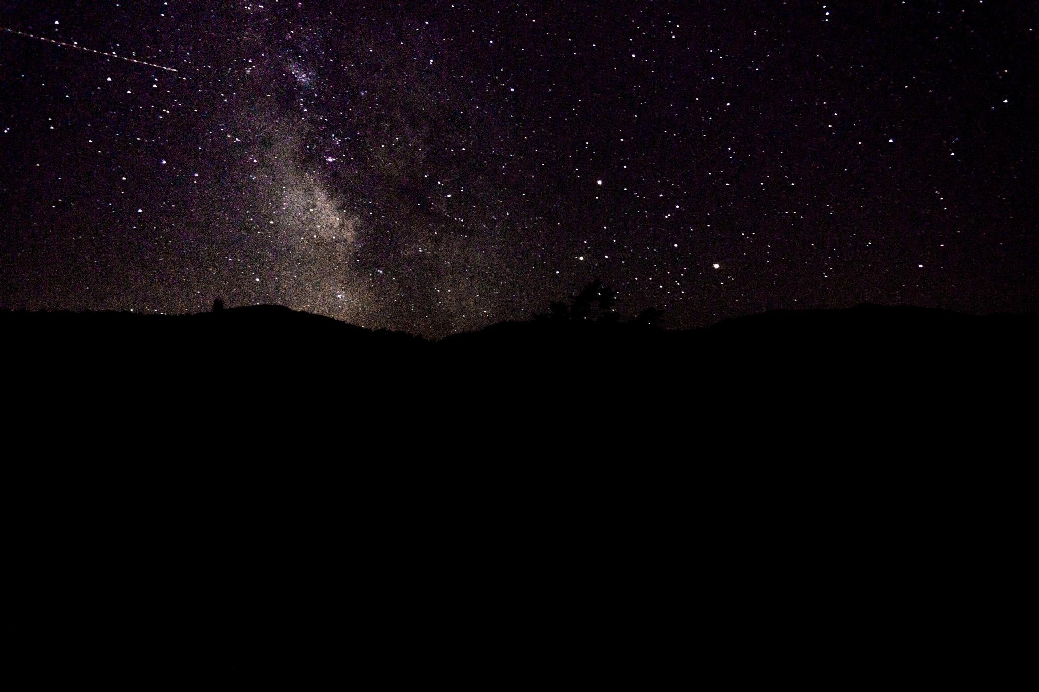 Milkyway and starfall by Nemanja Raskovic