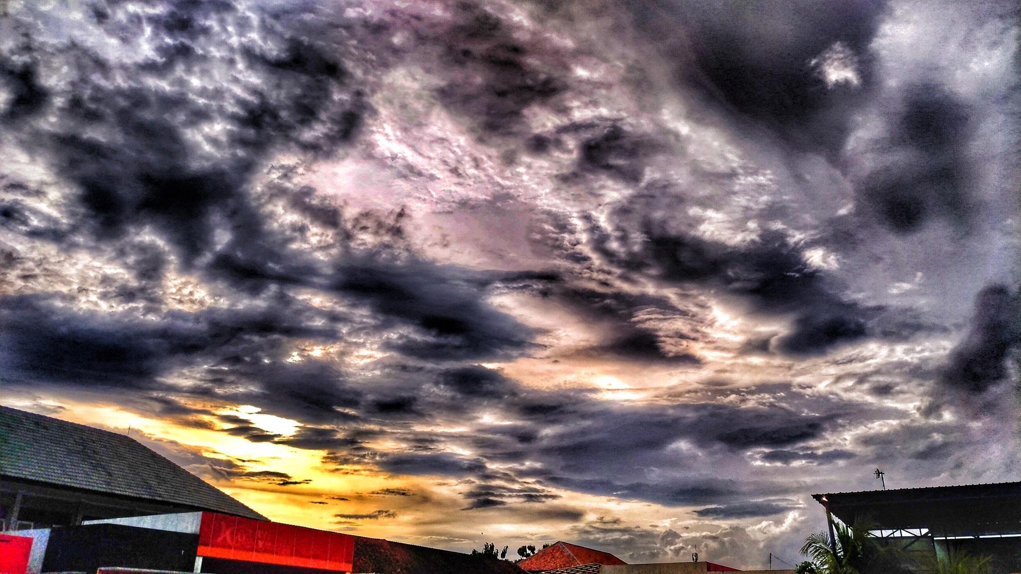 Sunset behind building by b4u2bweird