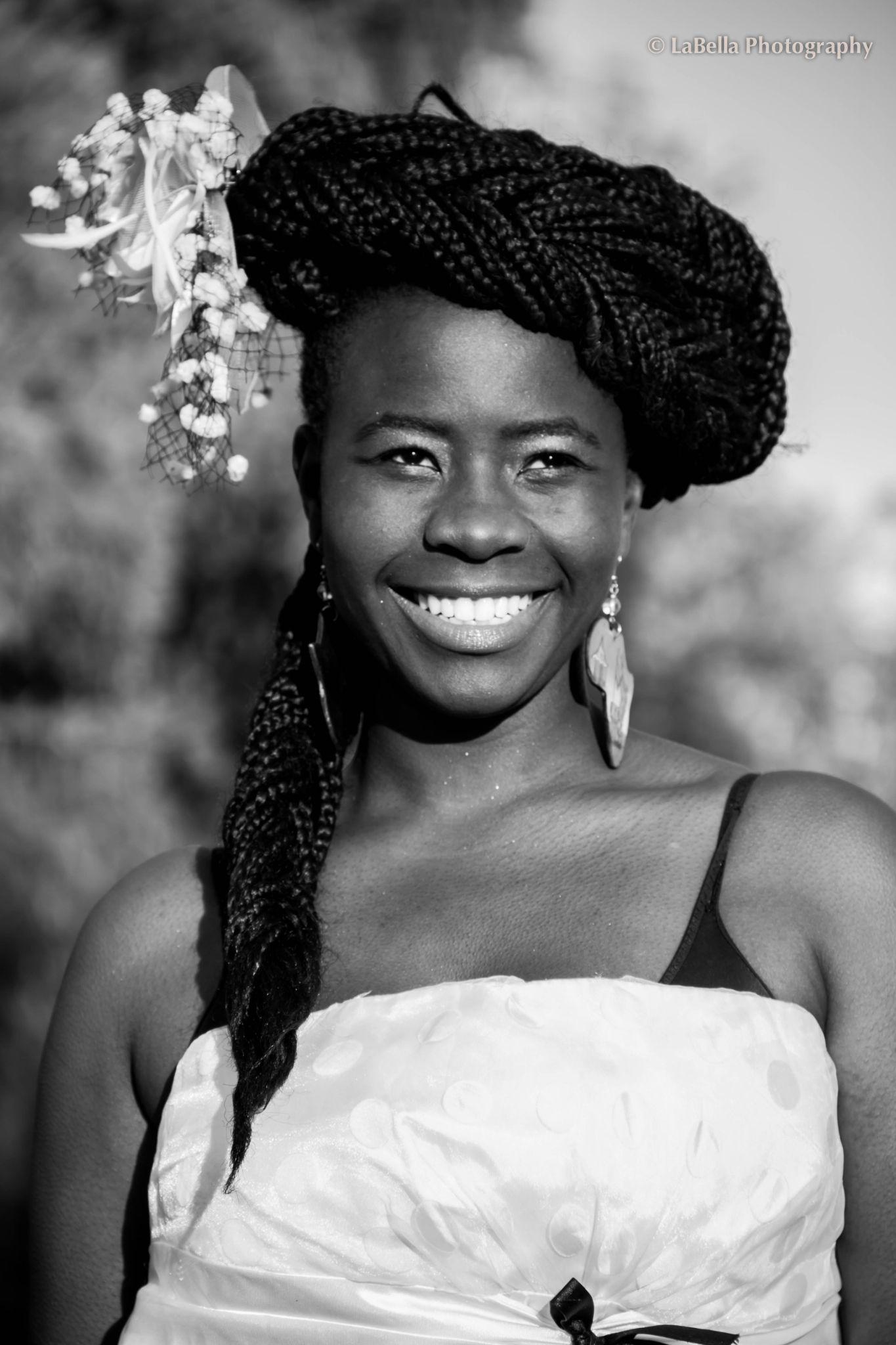 African songbird by Bellah Zulu