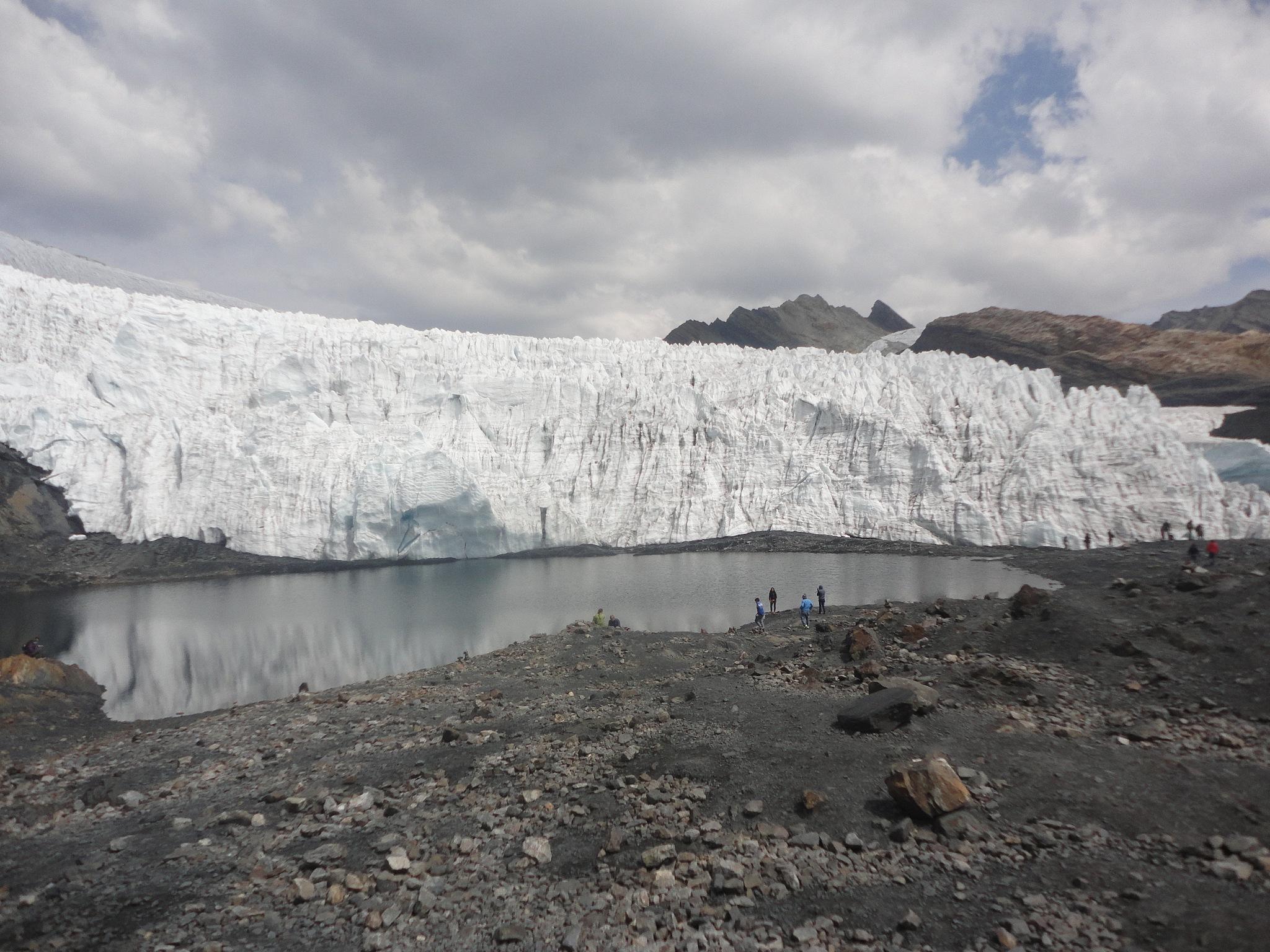Nevado Pastoruri Huaraz - Peru by Leandro Mikk