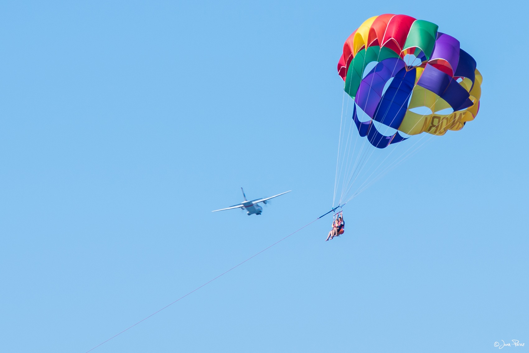 Volando voy, volando vengo. by JuanPerezPinilla