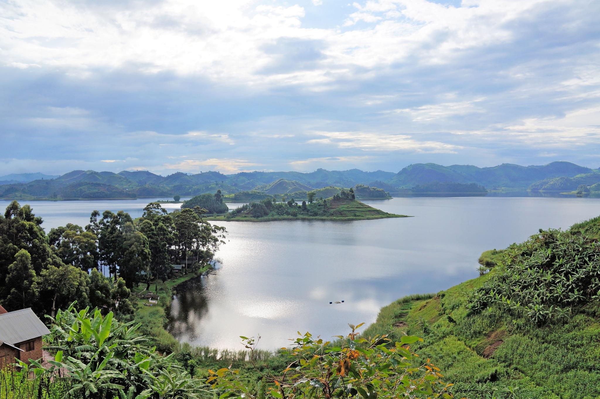 Lake Bunyonyi by marjon