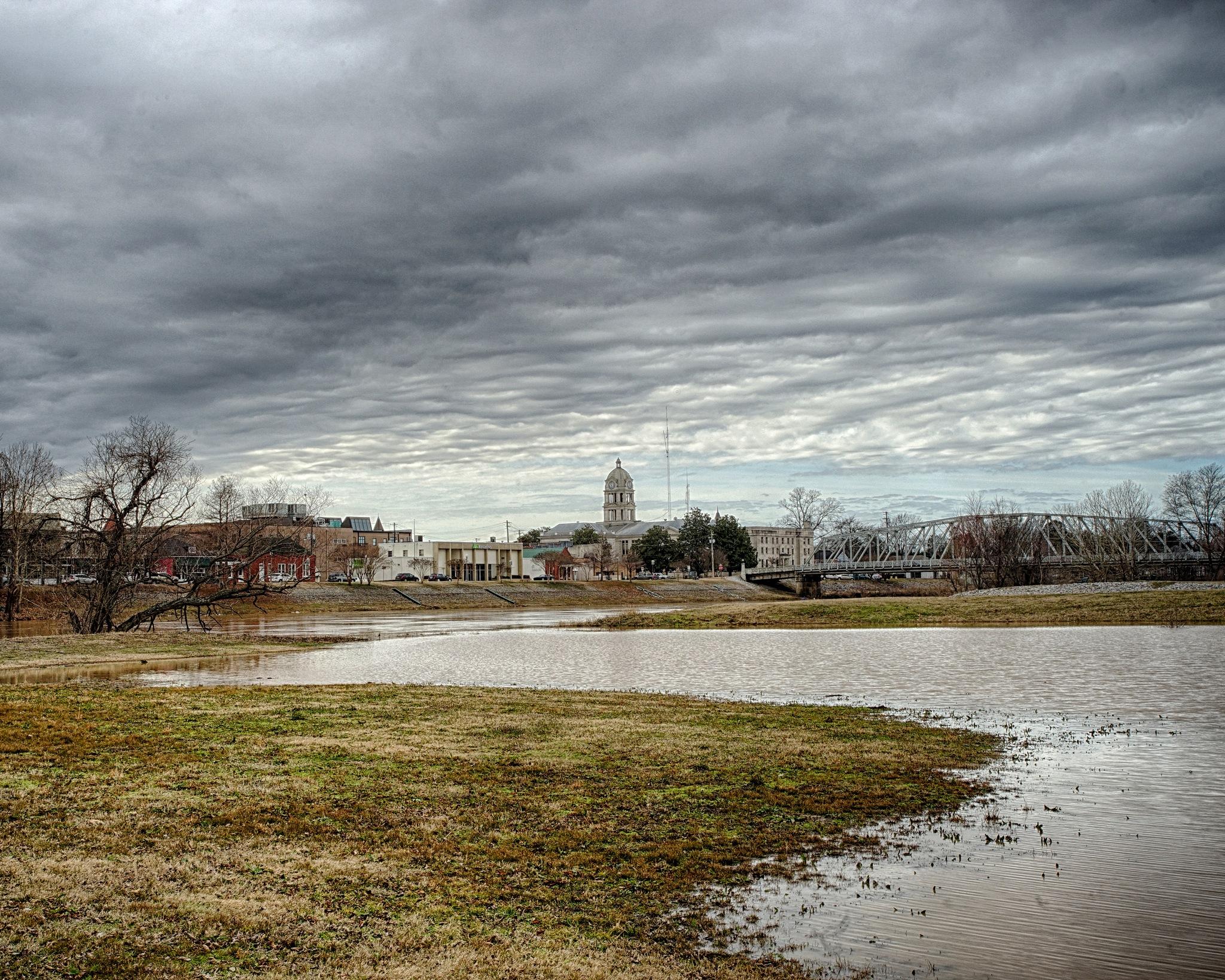 Riverfront Storm Brewing by Joe Seawright