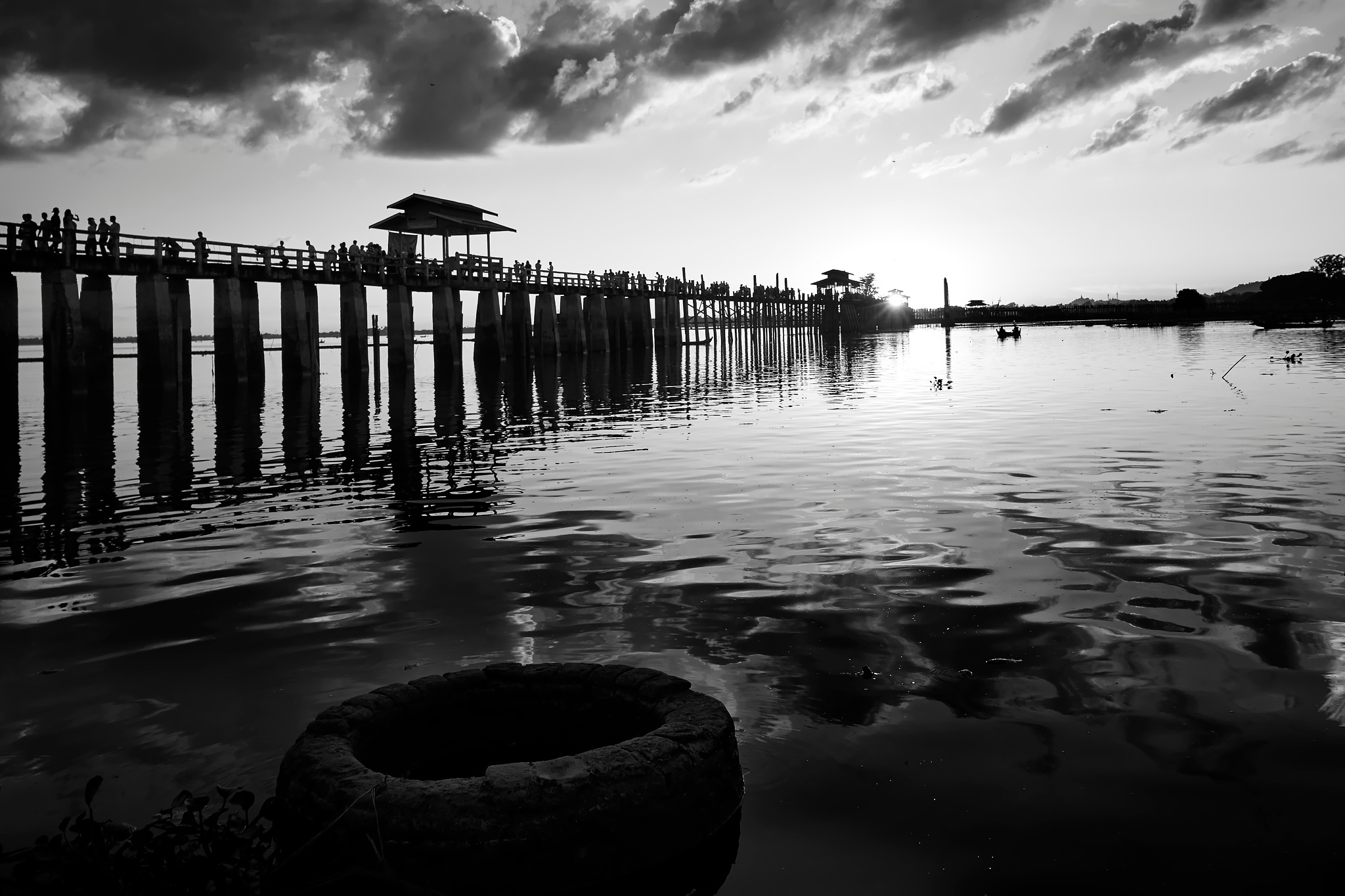 U Pain Bridge by Htet Aung
