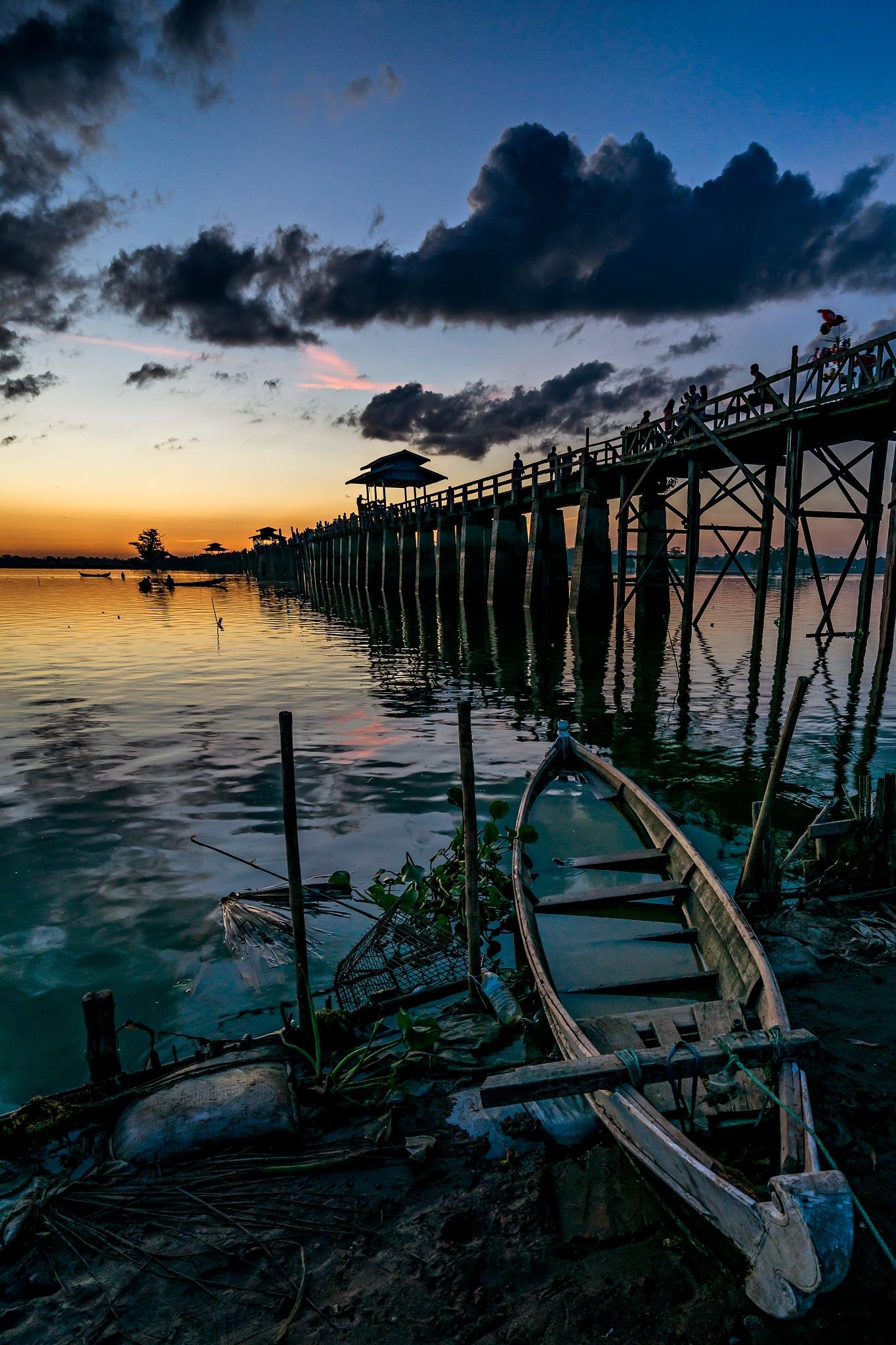 U Pain Bridge by Htet Aung