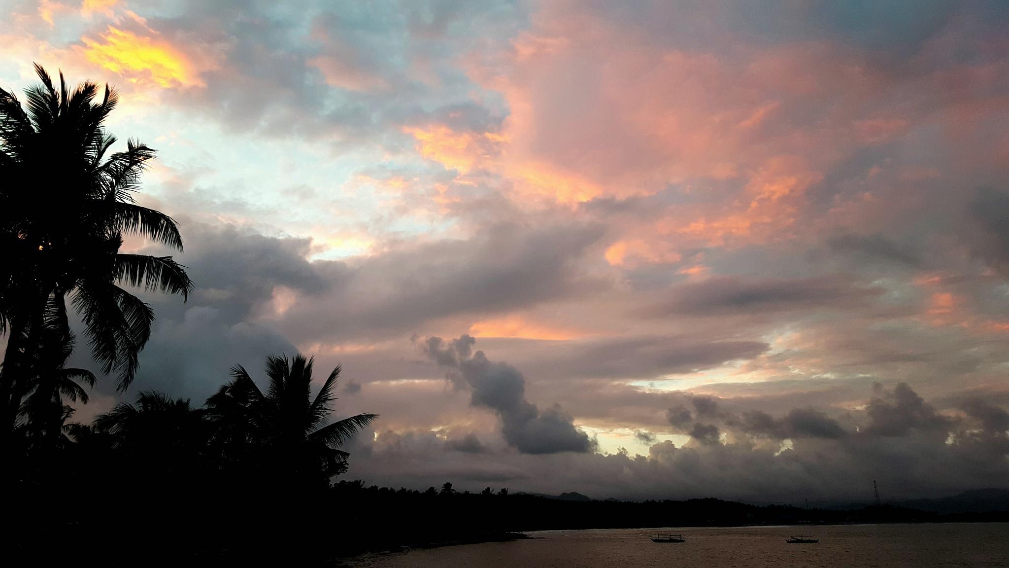 Cabong Beach Tonight  by Erlinda Bocar Kantor