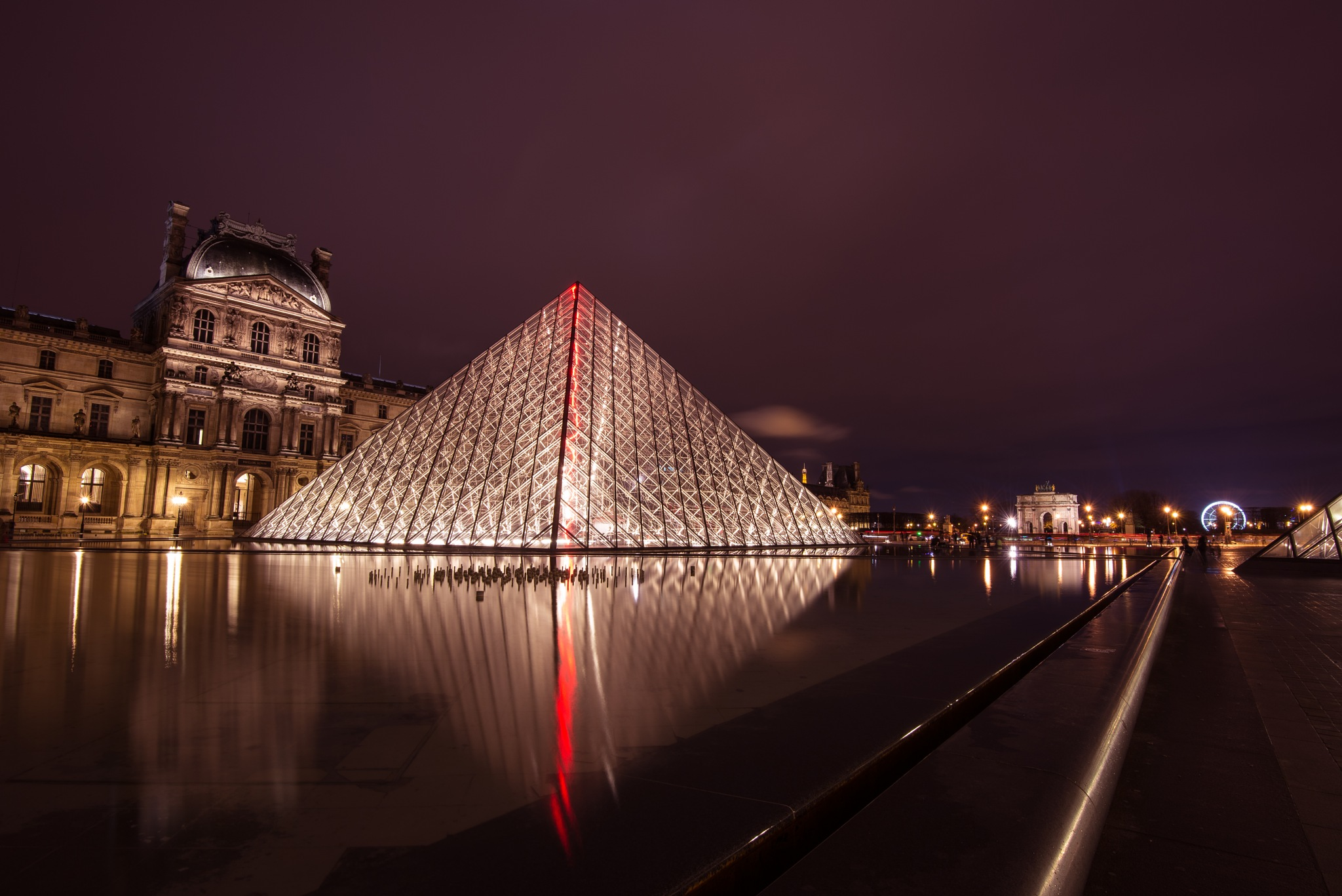The Louvre by Ronne Vinkx
