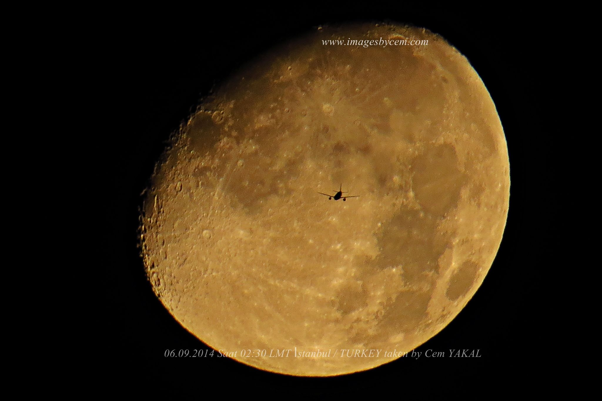 Halfmoon with plane by Cem Berkay YAKAL