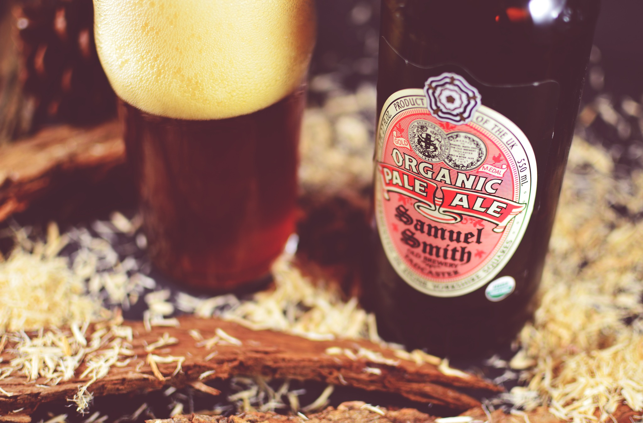 Organic Pale Ale Beer (Samuel Smith) by Yauheni Loktseu