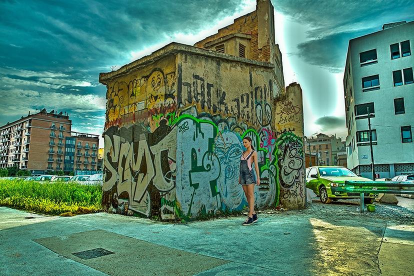 Barcelona walls by Giovanni Pincay