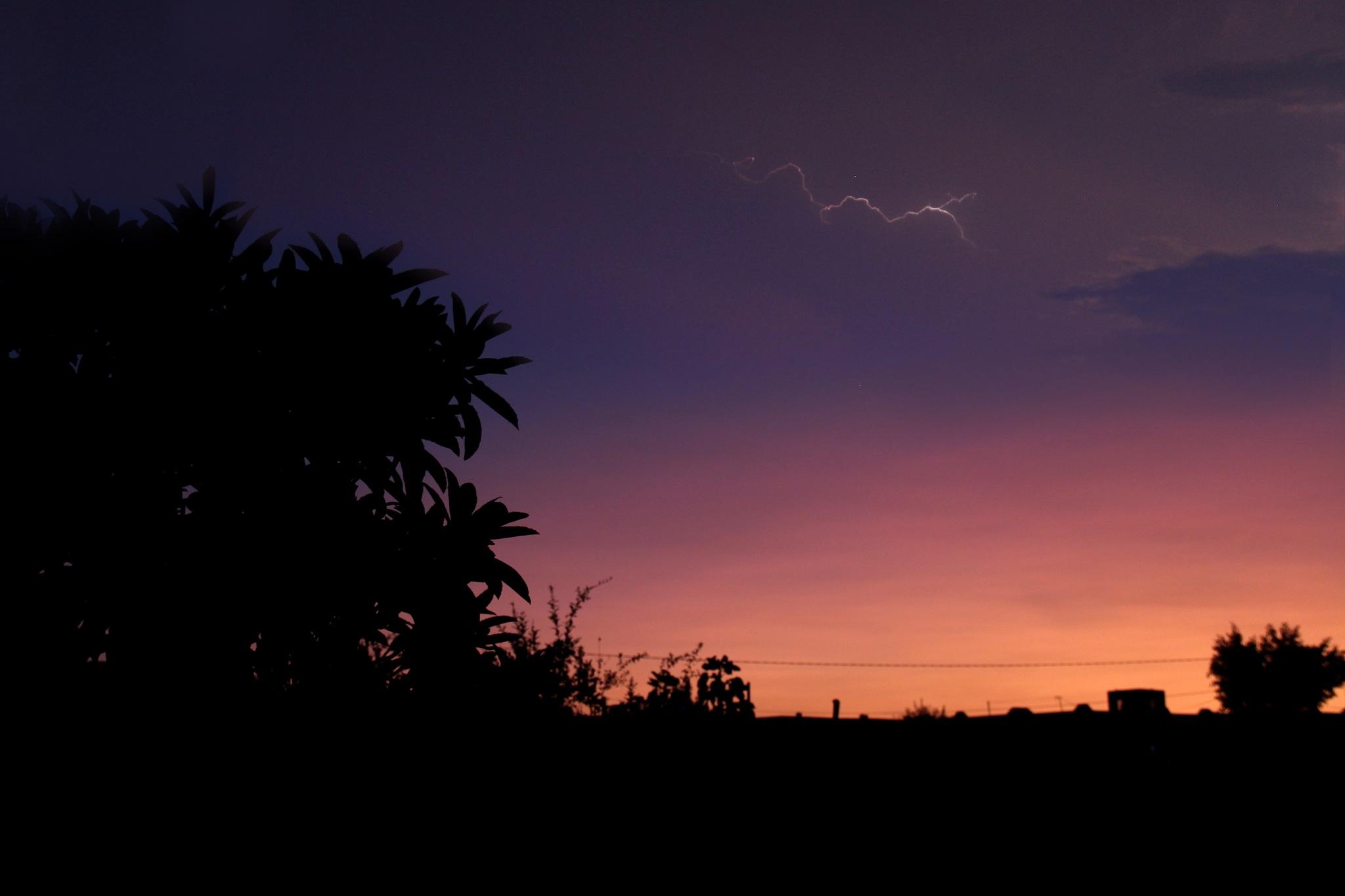 Lightning  by marwen