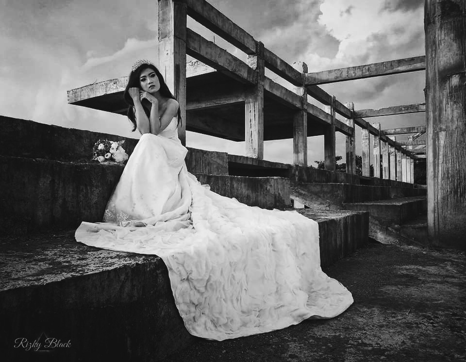 Waiting for something. by Rizky Black