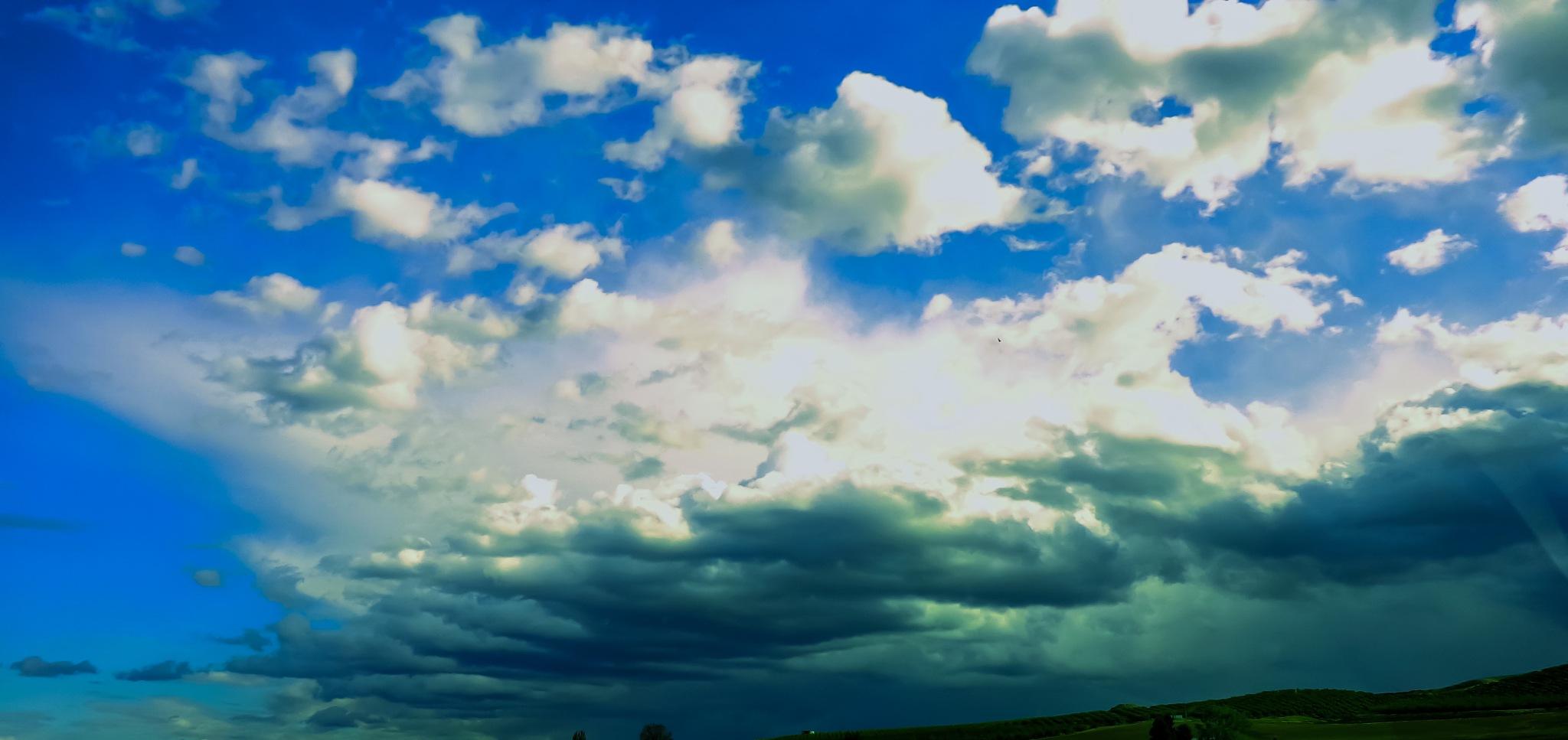 sky blue by mssophiabelladonna