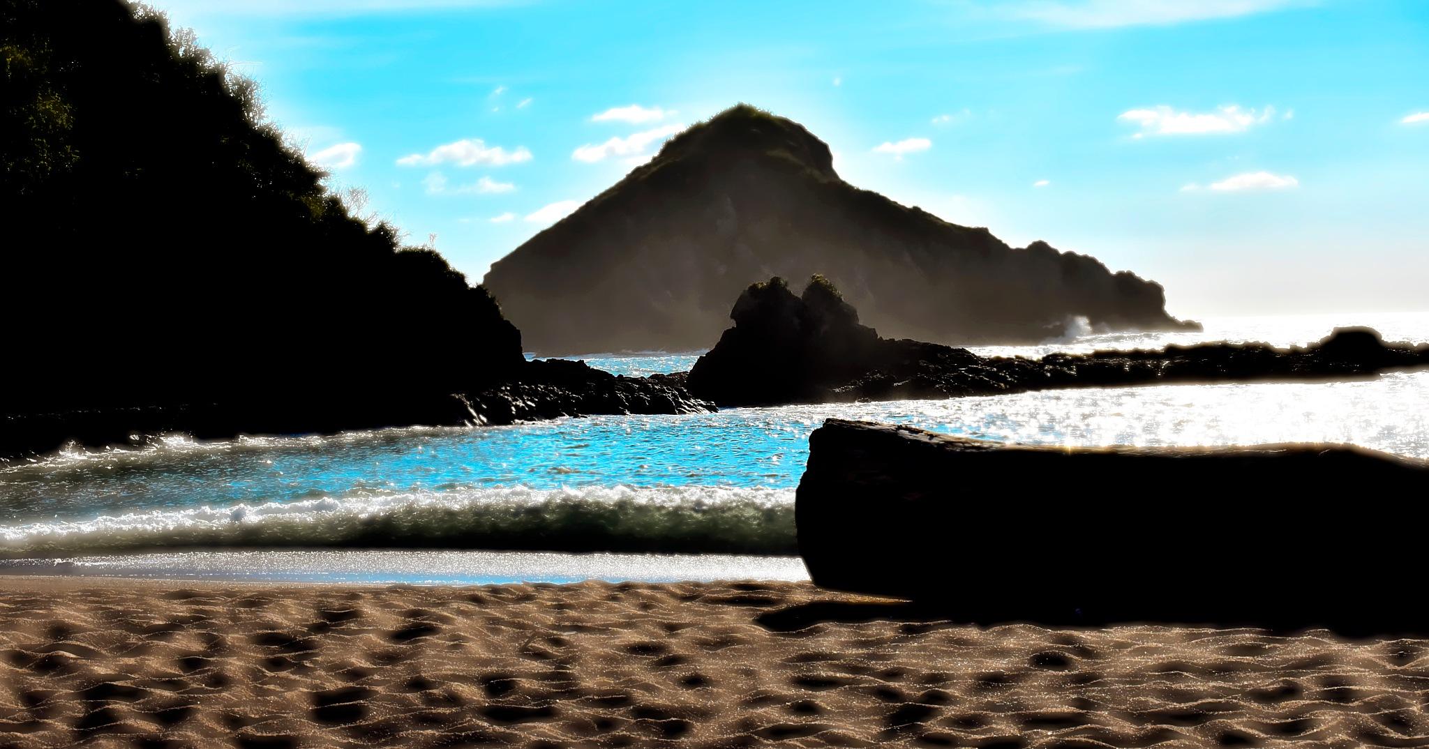 Beach1 by Guillermo Sariñana Siller