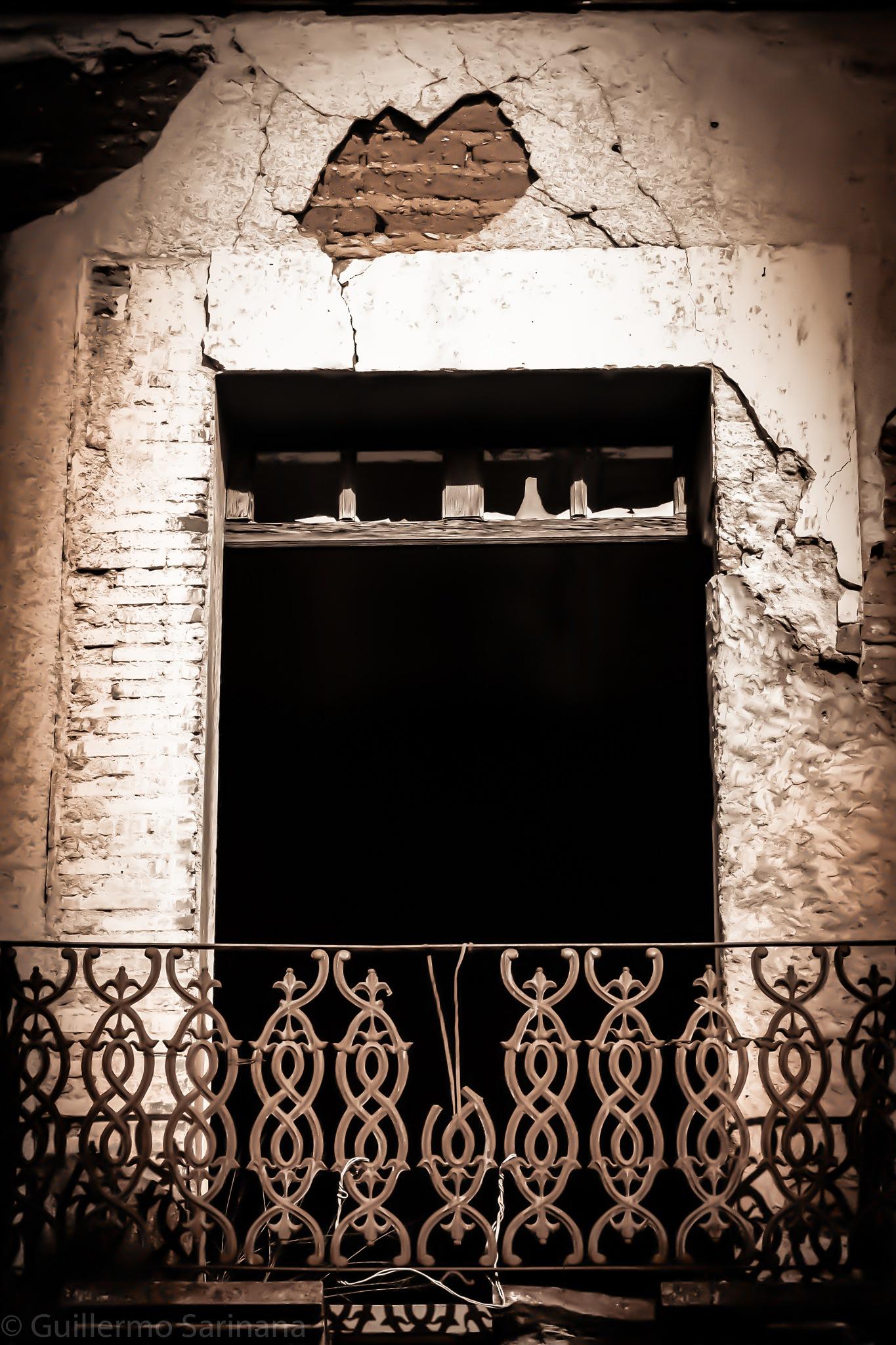 Window by Guillermo Sariñana Siller