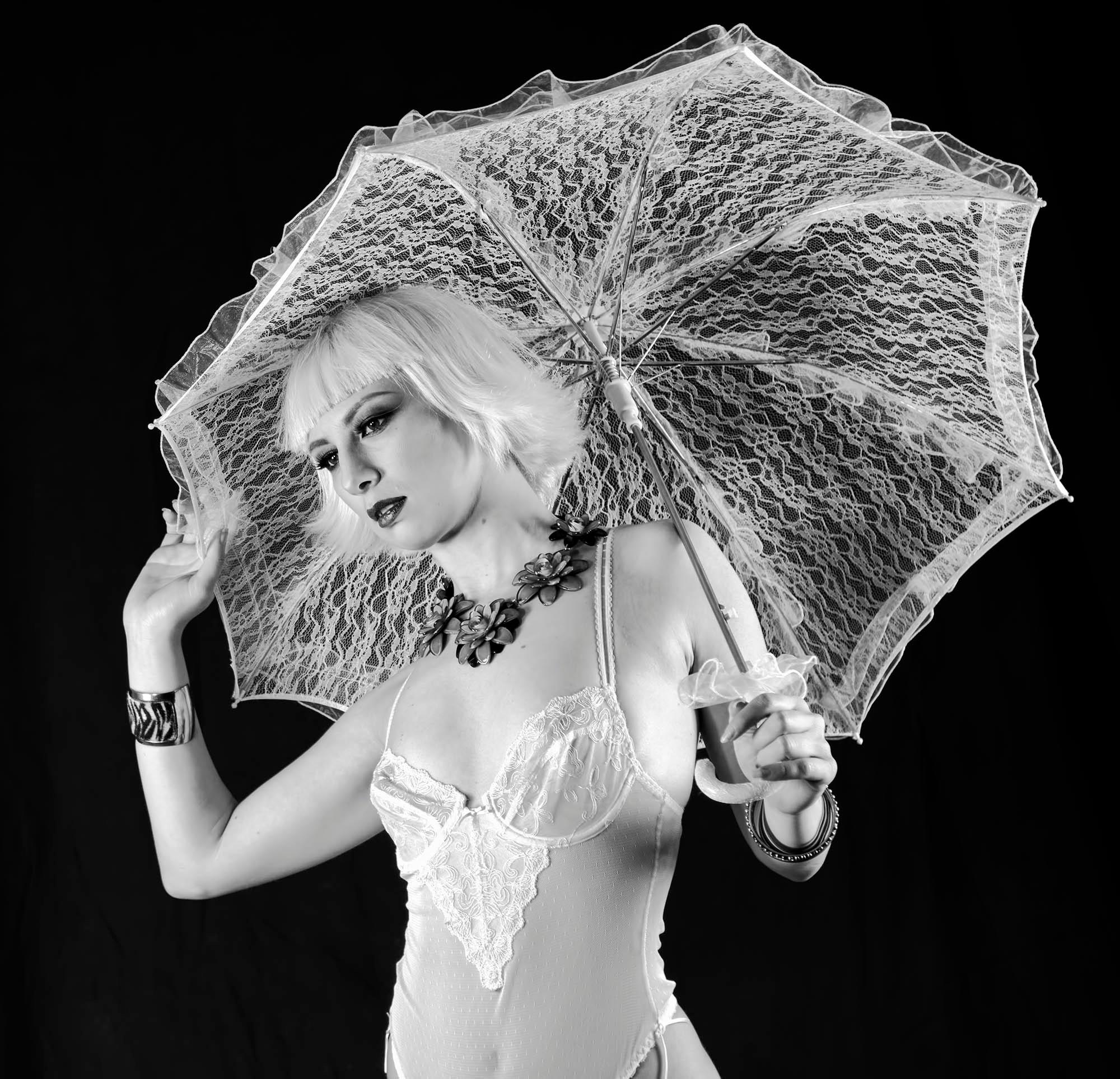 Vanity umbrella. by Garufi Angelo