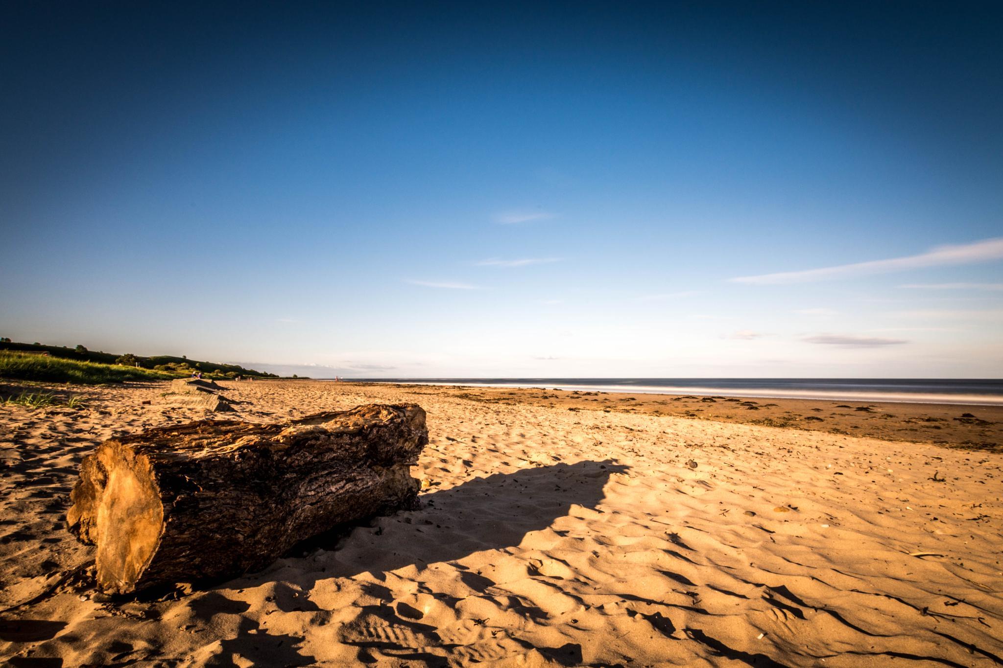 Love an empty beach by Robert Nixon