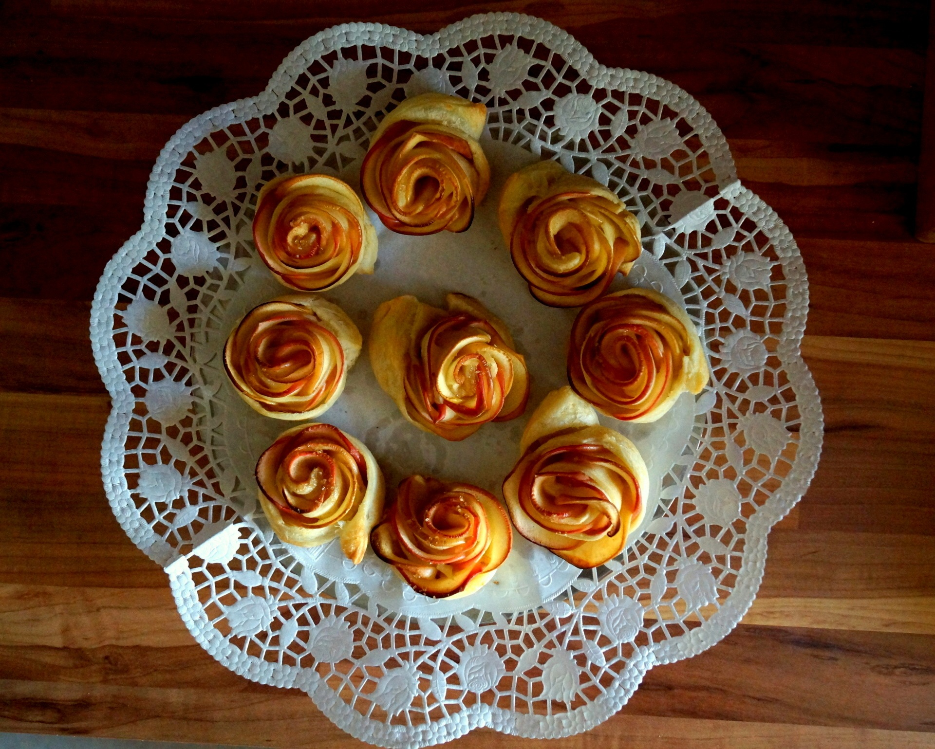 Apple roses by lema