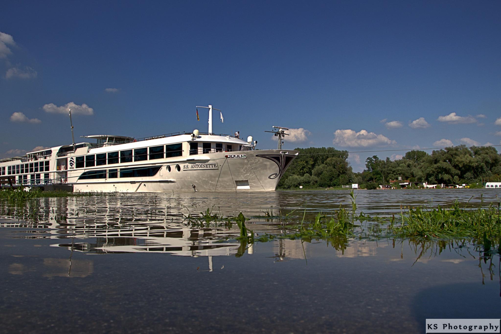 Rhine cruise by Klaus Schenker