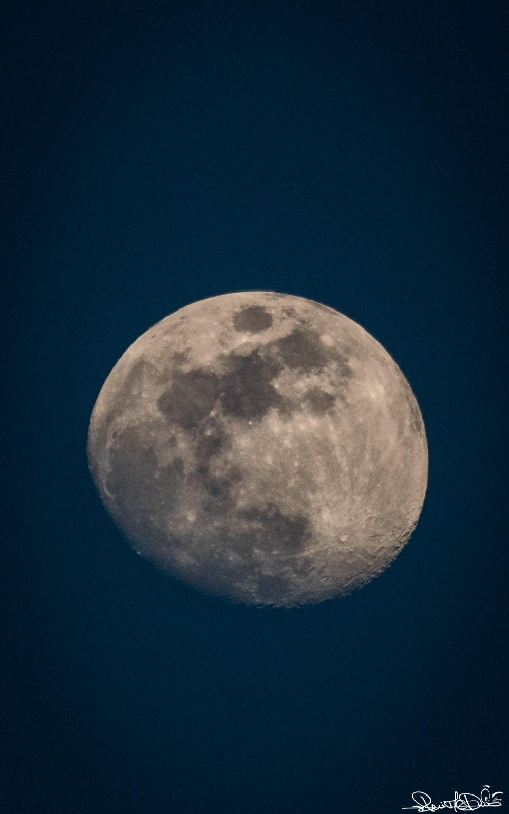 Moon by RuiMCDias