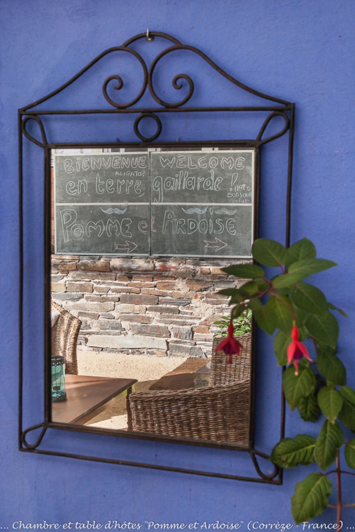"Allassac (Correze - France) - Bed & Breakfast ""Pomme et Ardoise"" - Courtyard by Philippe Graille"