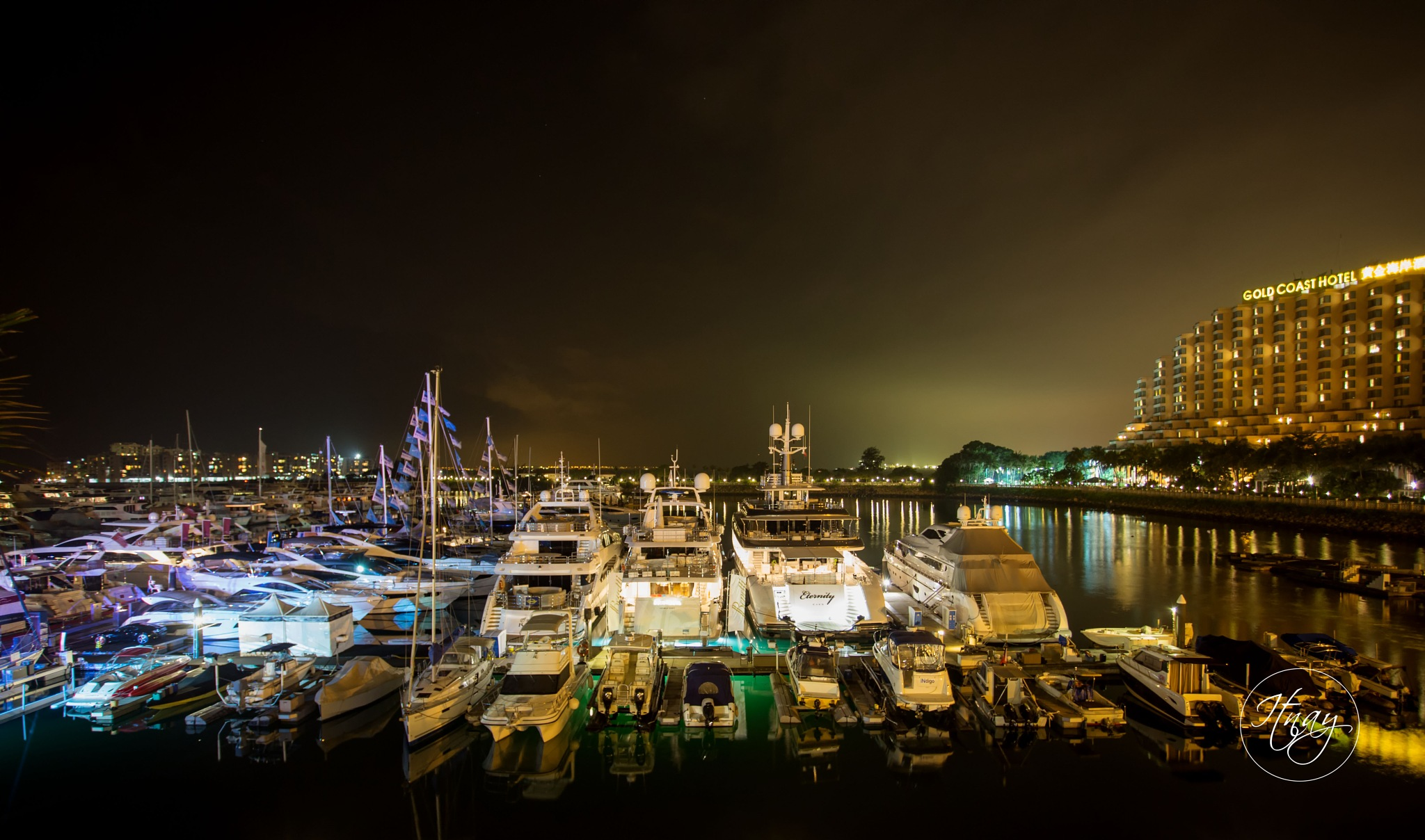 Photo in Cityscape #city #citylight #pier #harbour #goldcoast #hongkong #night #life #photography #cityscape