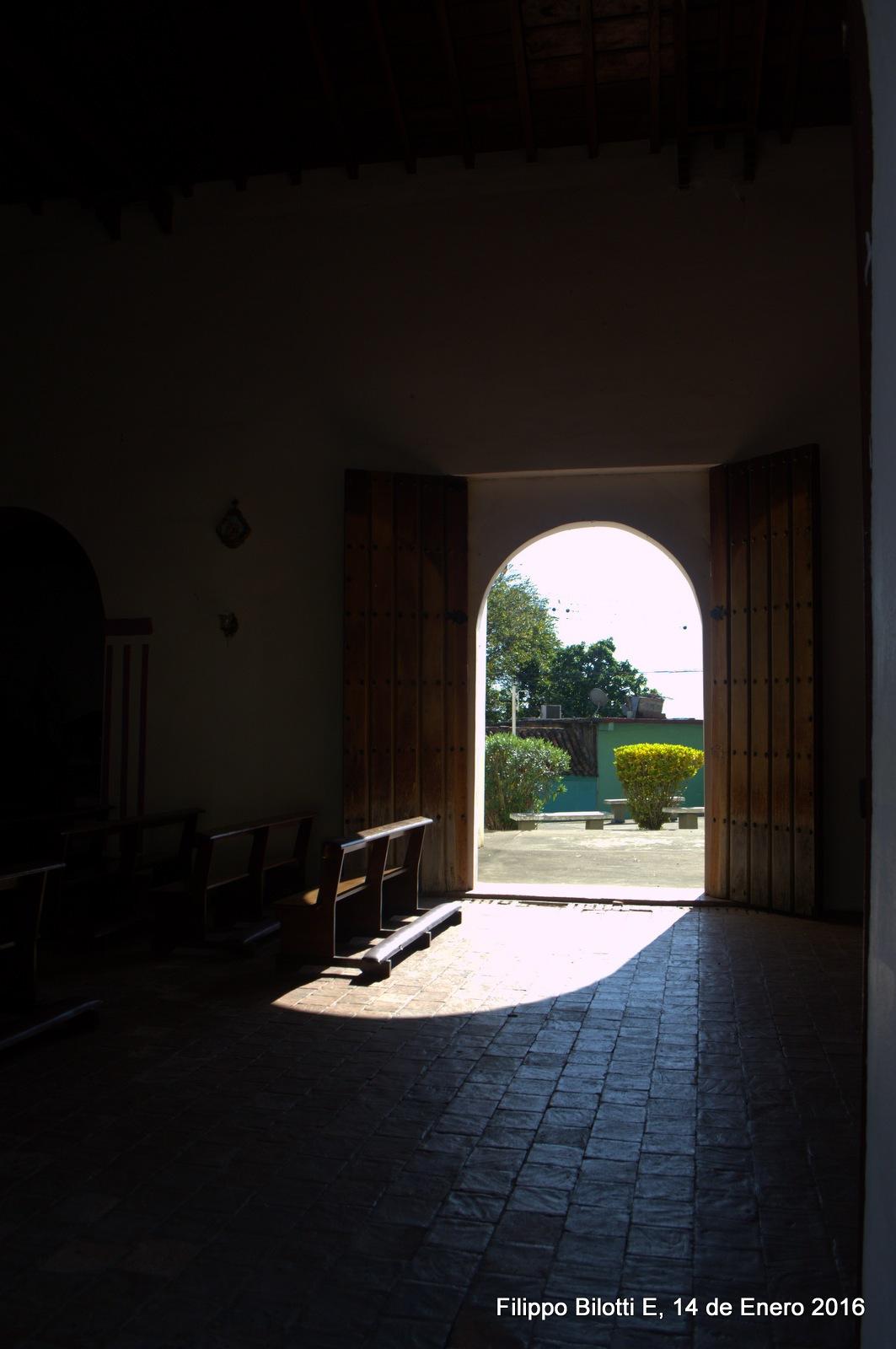 Puerta lateral,iglesia de San Luis. by FilippoBilottiE