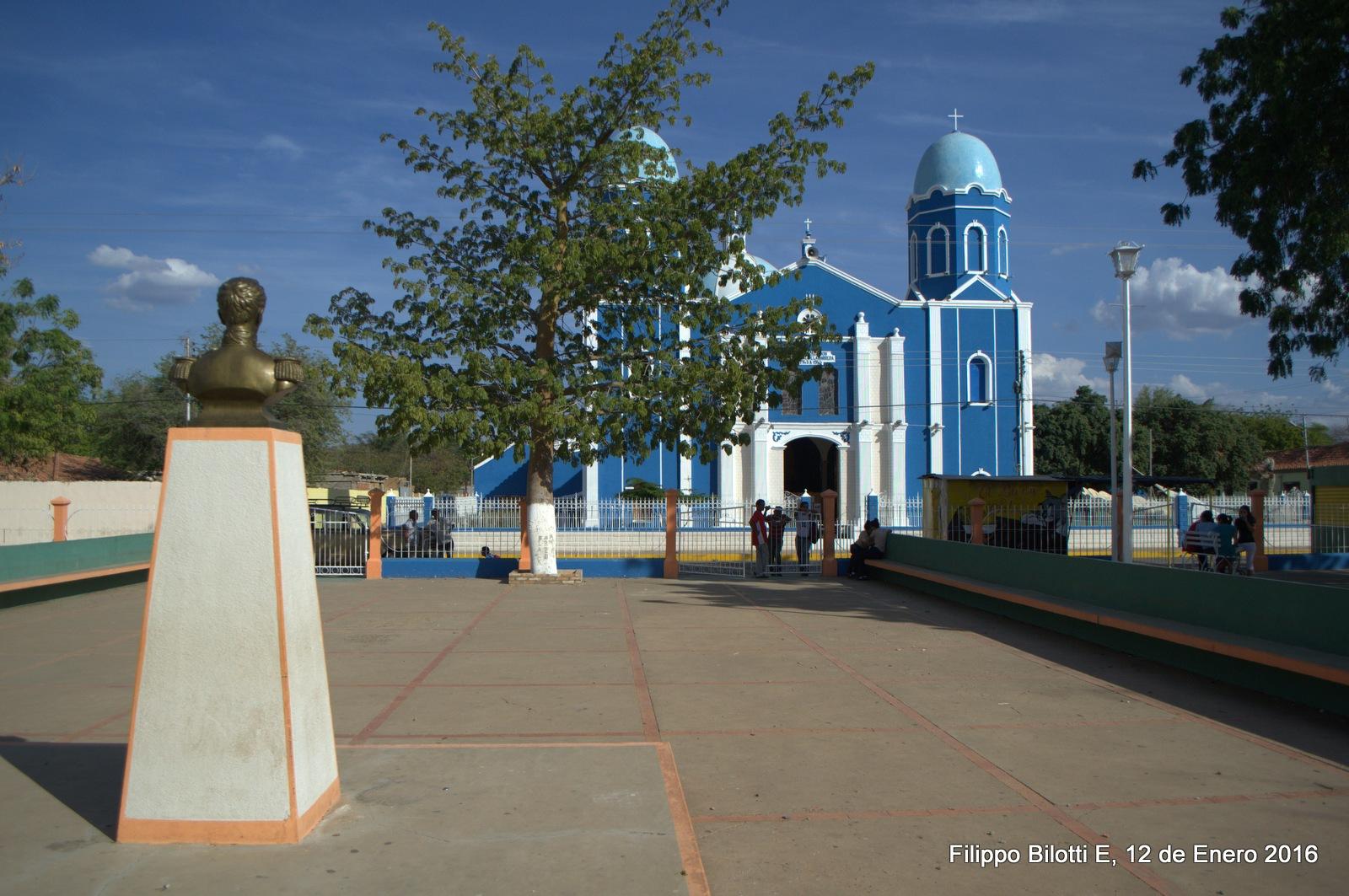Plaza Bolivar,Aregue. by FilippoBilottiE