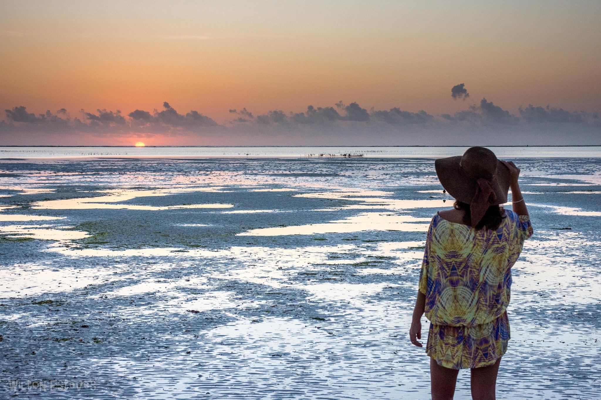 Mapenzi Beach Sun Rise by Wilton Esteves