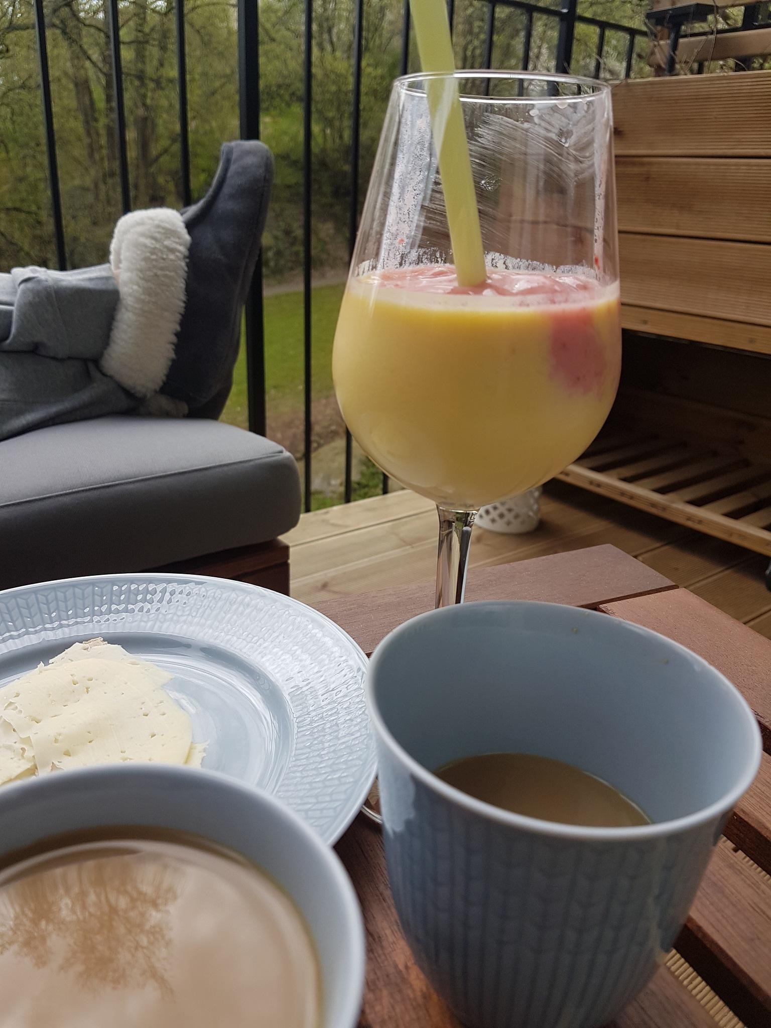 Breakfast by Gustaf Hector