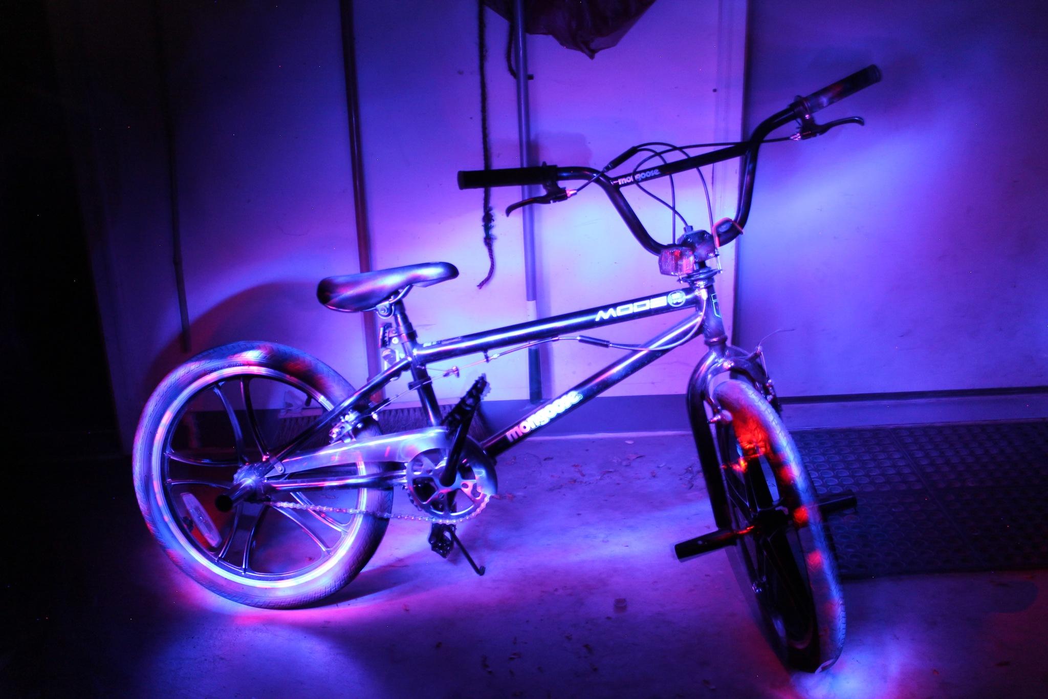 Retro Bike by TheCriv