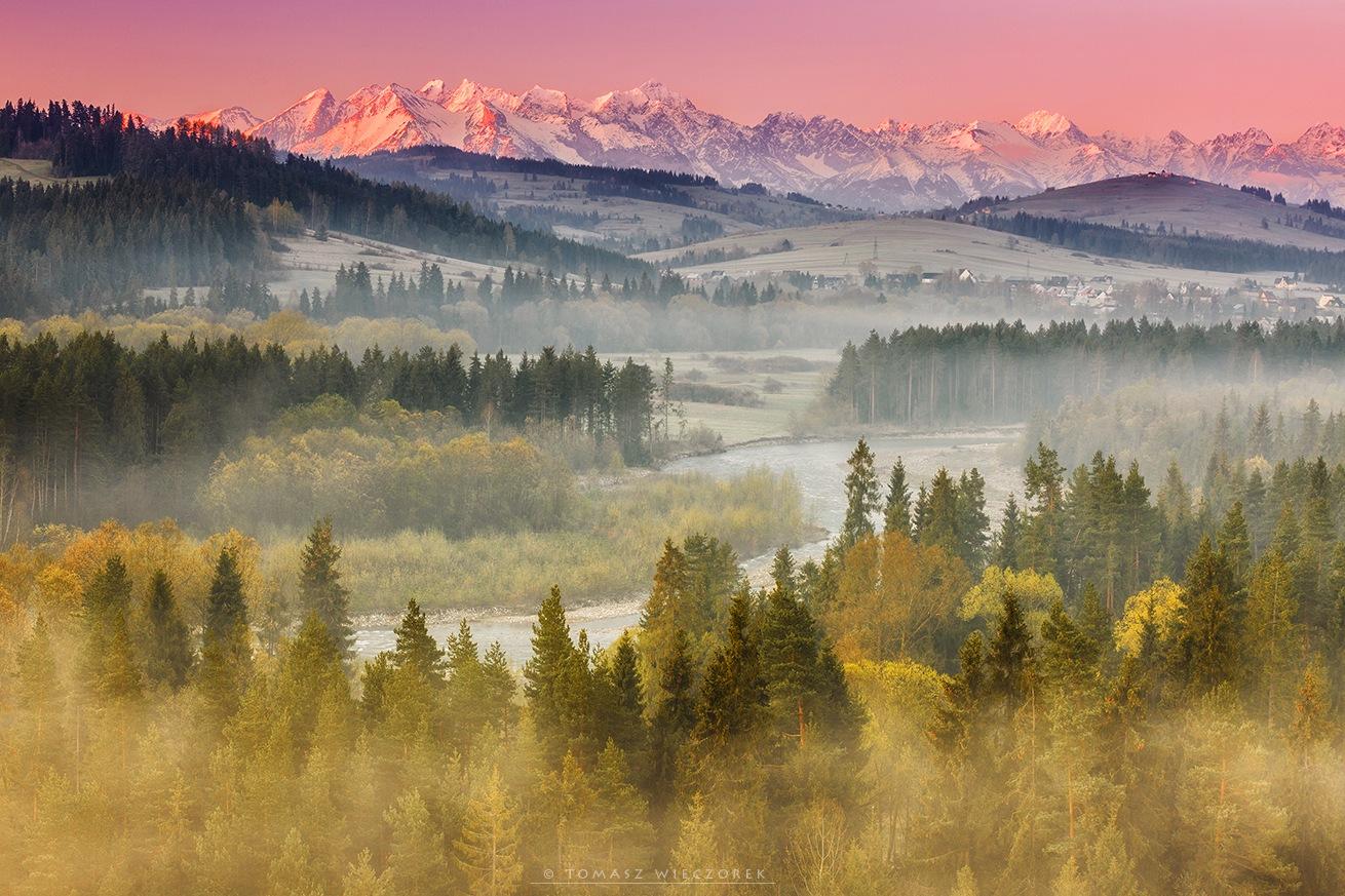 Colours of sunrise by TomaszWieczorek