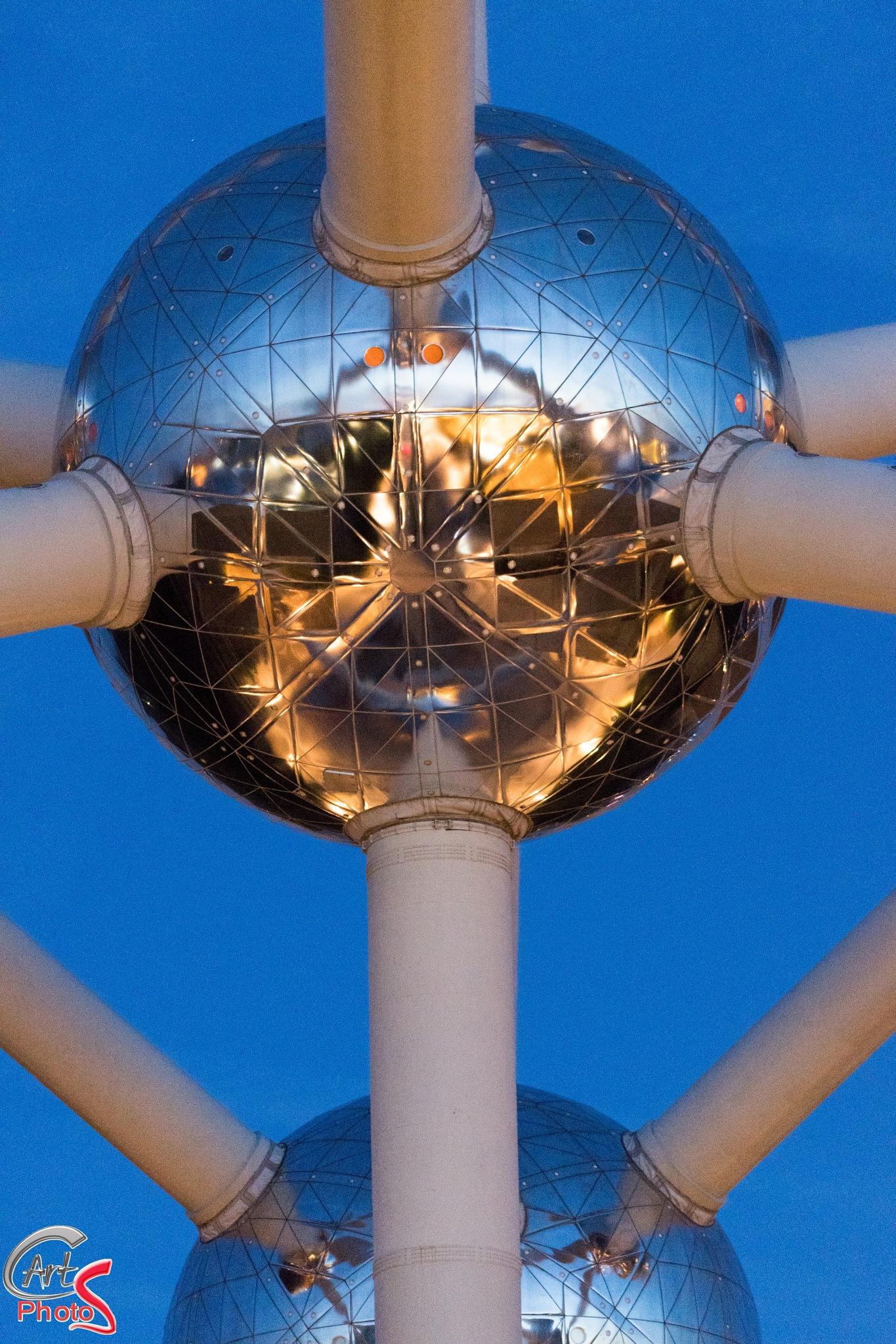 El atomium, una nave espacial  by CArtPhotoS