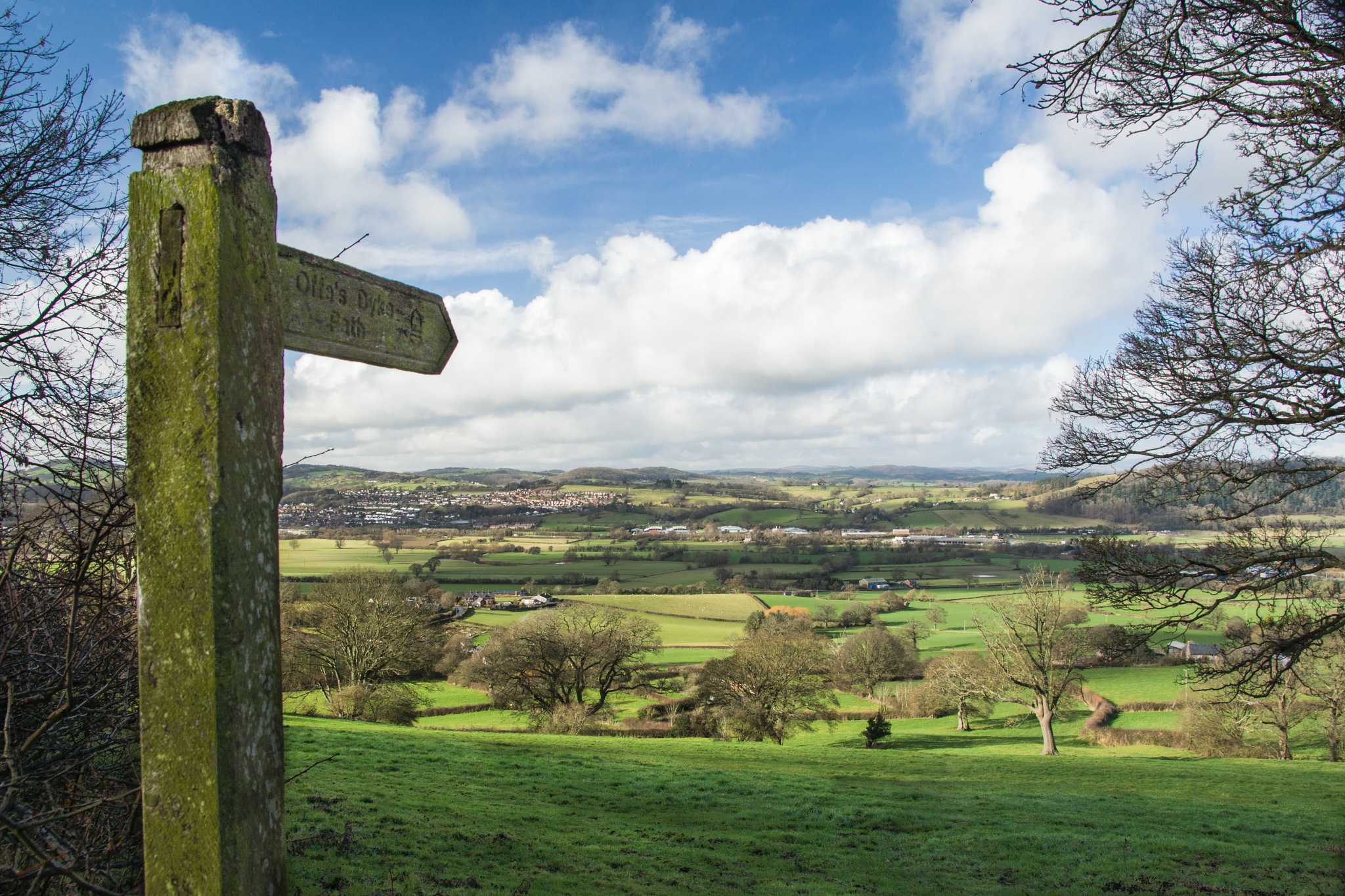 Offa's Dyke Finger Post & Severn Valley by rfoulkes