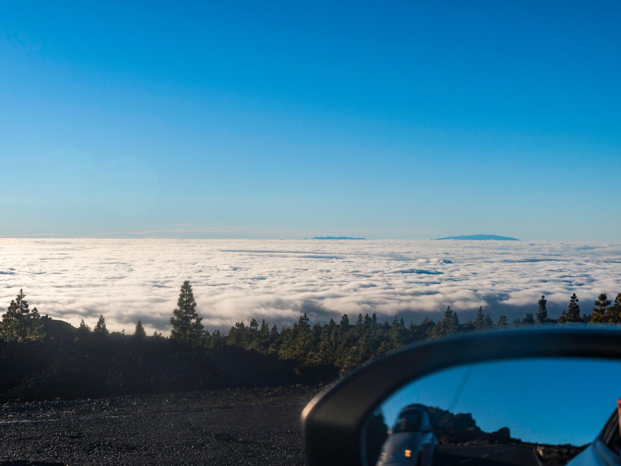 on the clouds...sobre las nubes by Rodolfo Jose Acosta