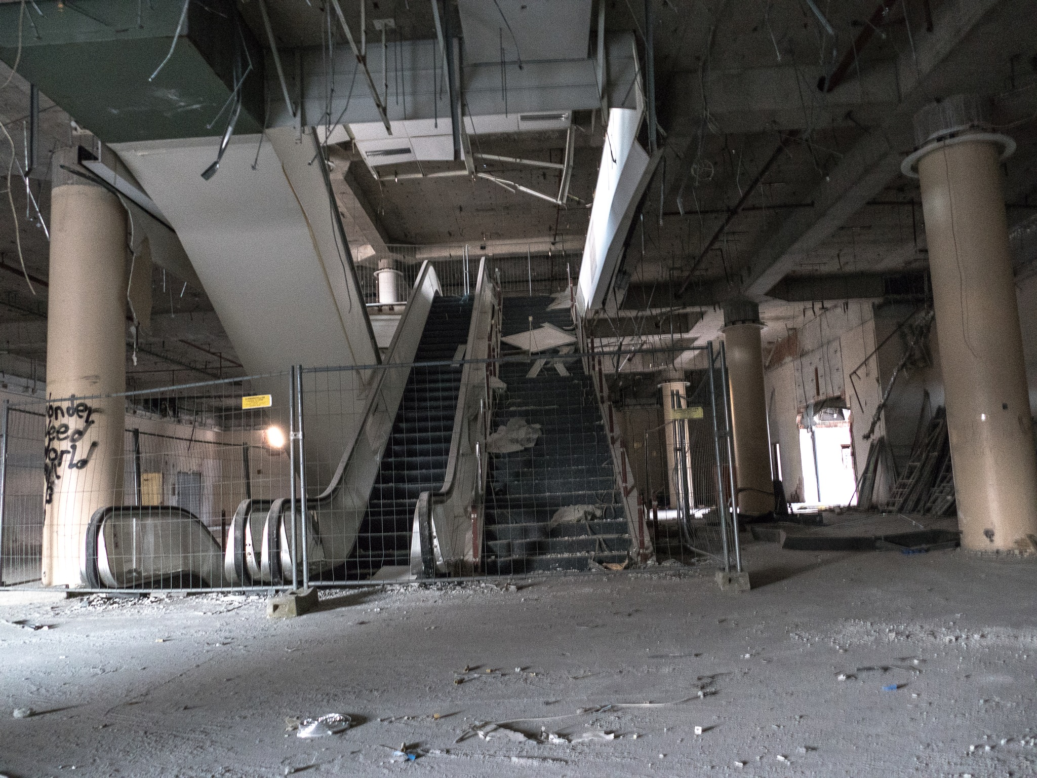Old abandoned department store by neun1073
