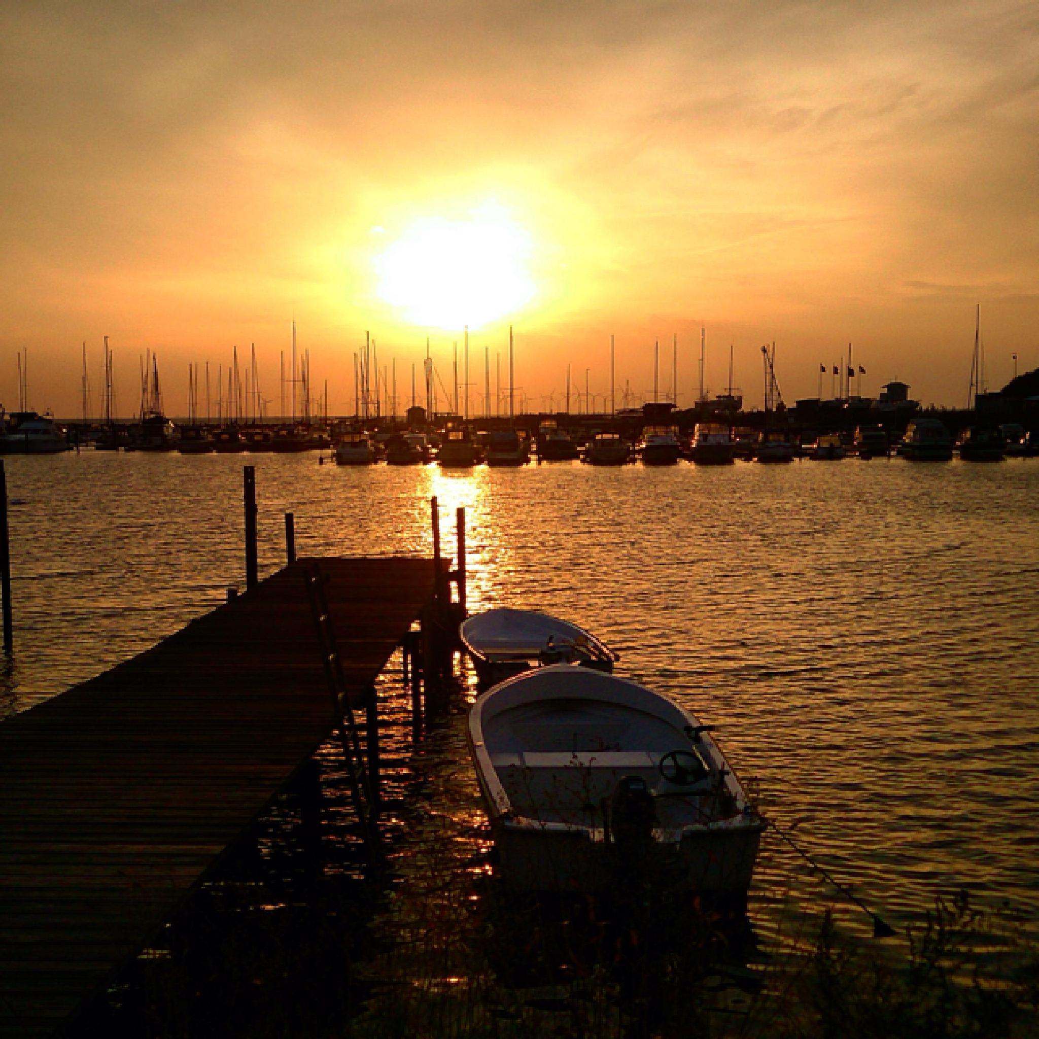 one more sunset photo from the Marina in Klagshamn Sweden by Lisa von Steijern