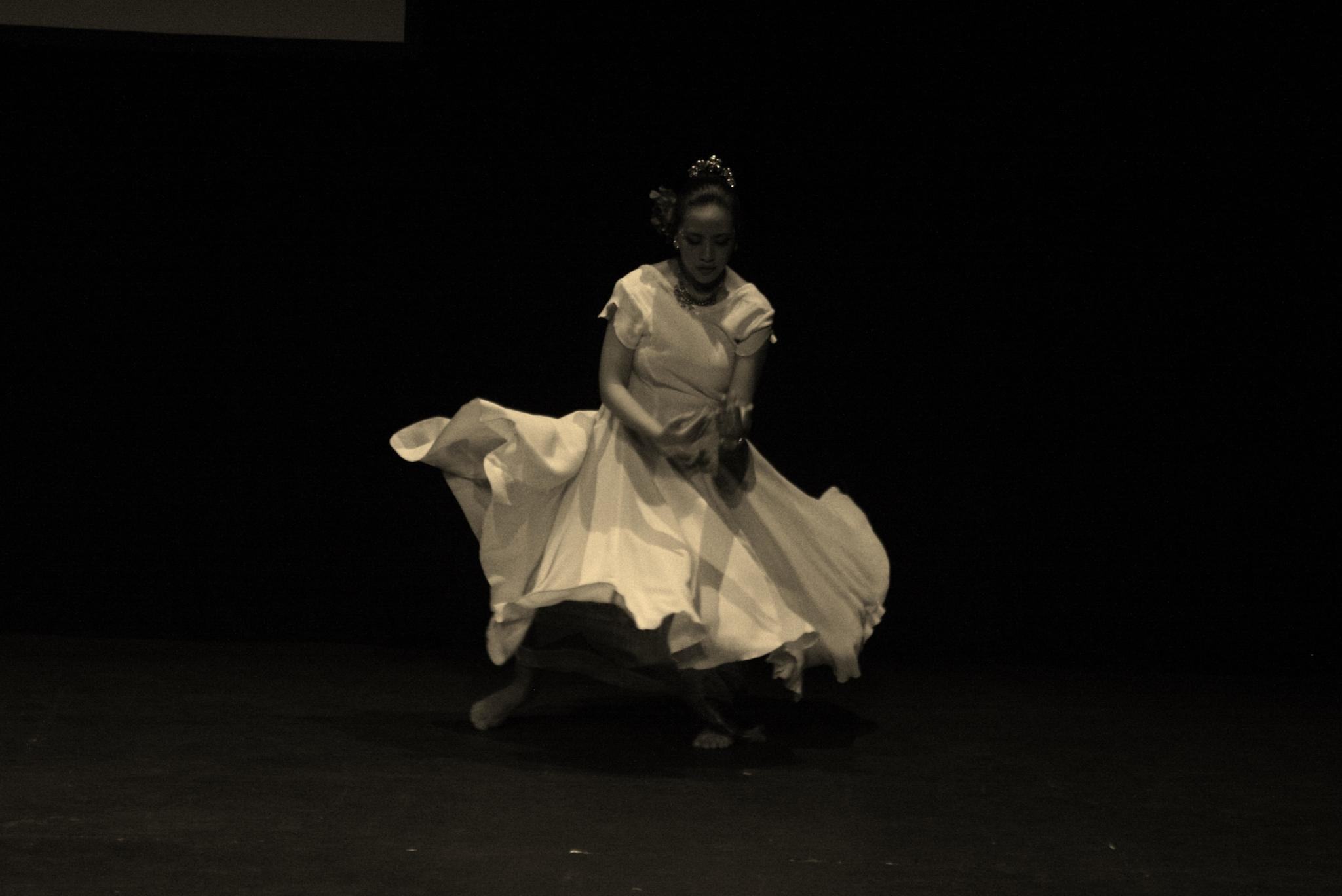 contemporary dance by enalizard