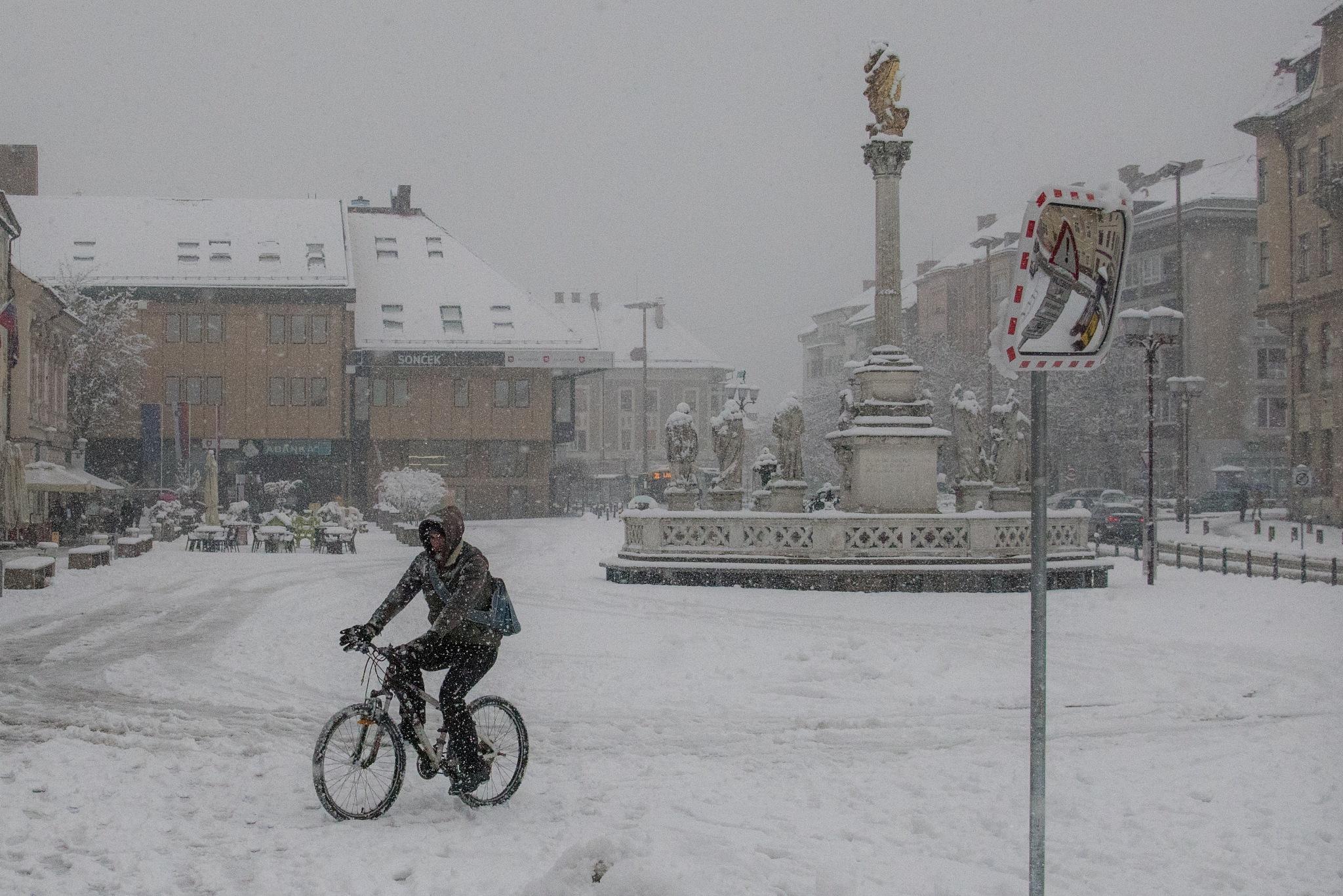 snowing by dusanvladimir
