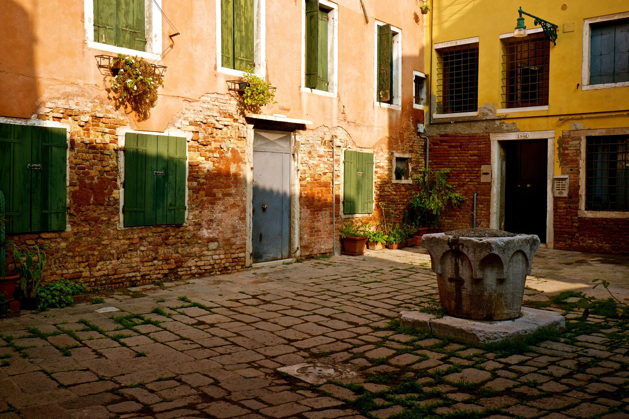 Photo in Architecture #venetian #courtyard #colourful