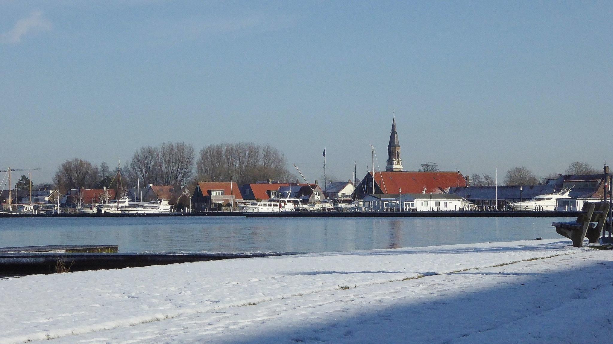 My village Kudelstaart. by inimini